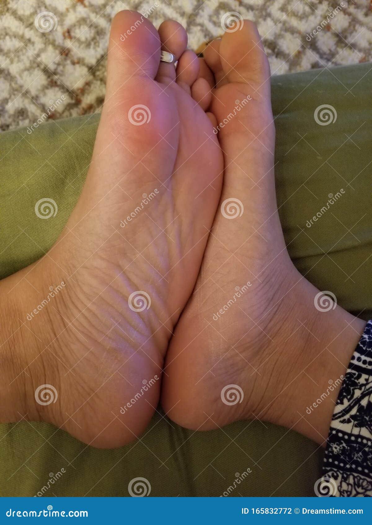 Ebony Feet Pics