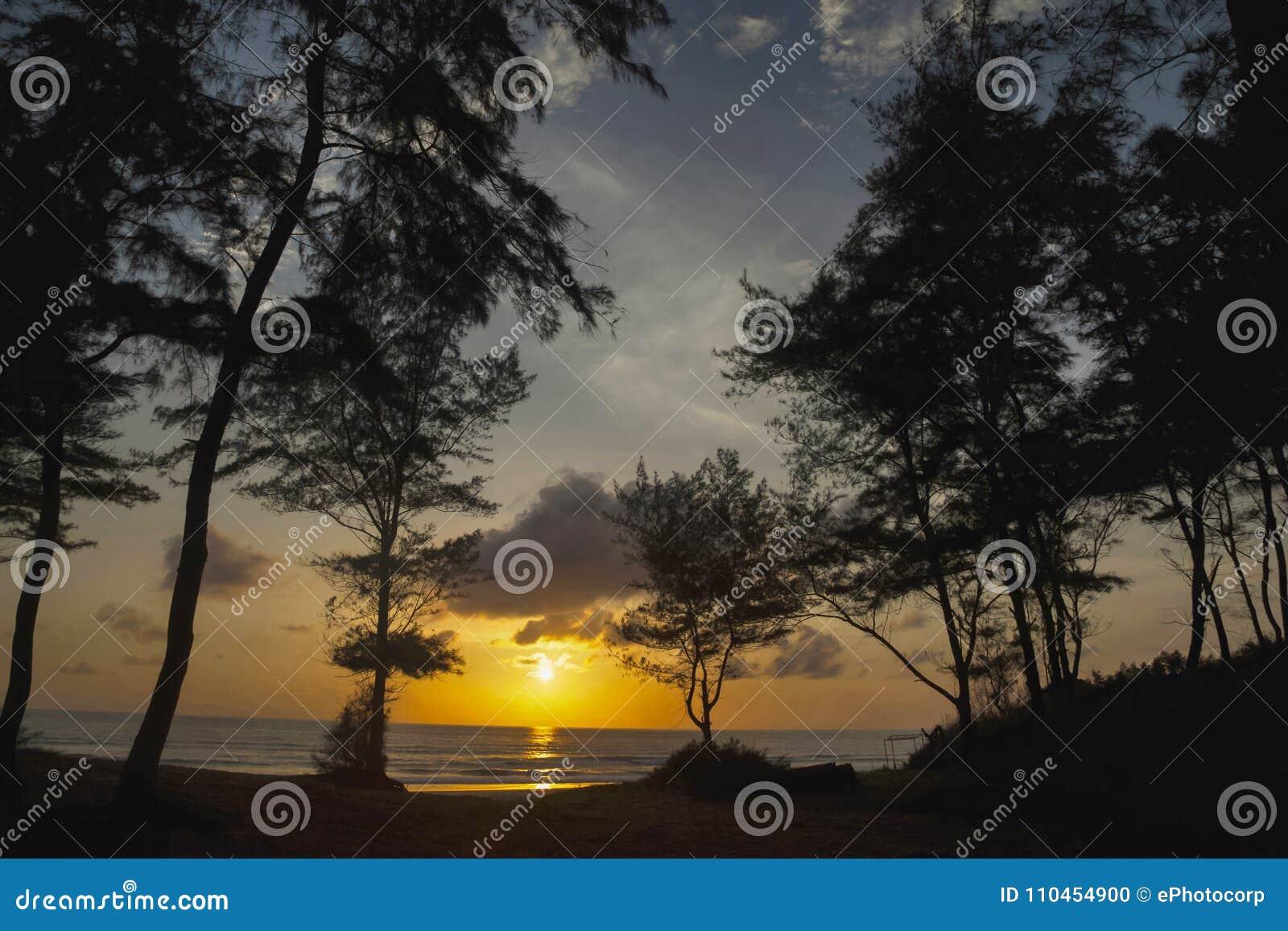 Solnedgång Diveagar strand, Maharashtra