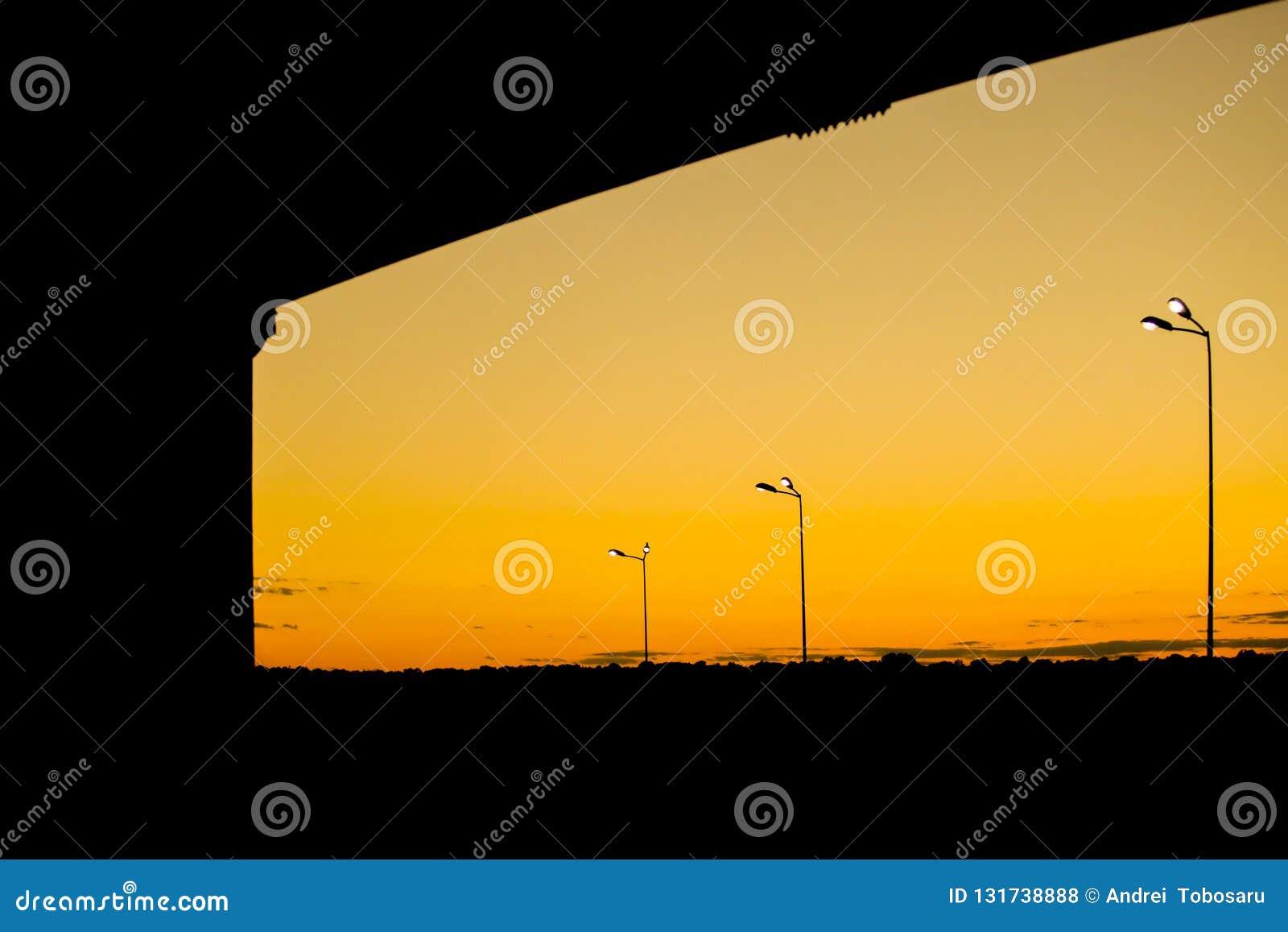 Solnedgång med ljusa kulor