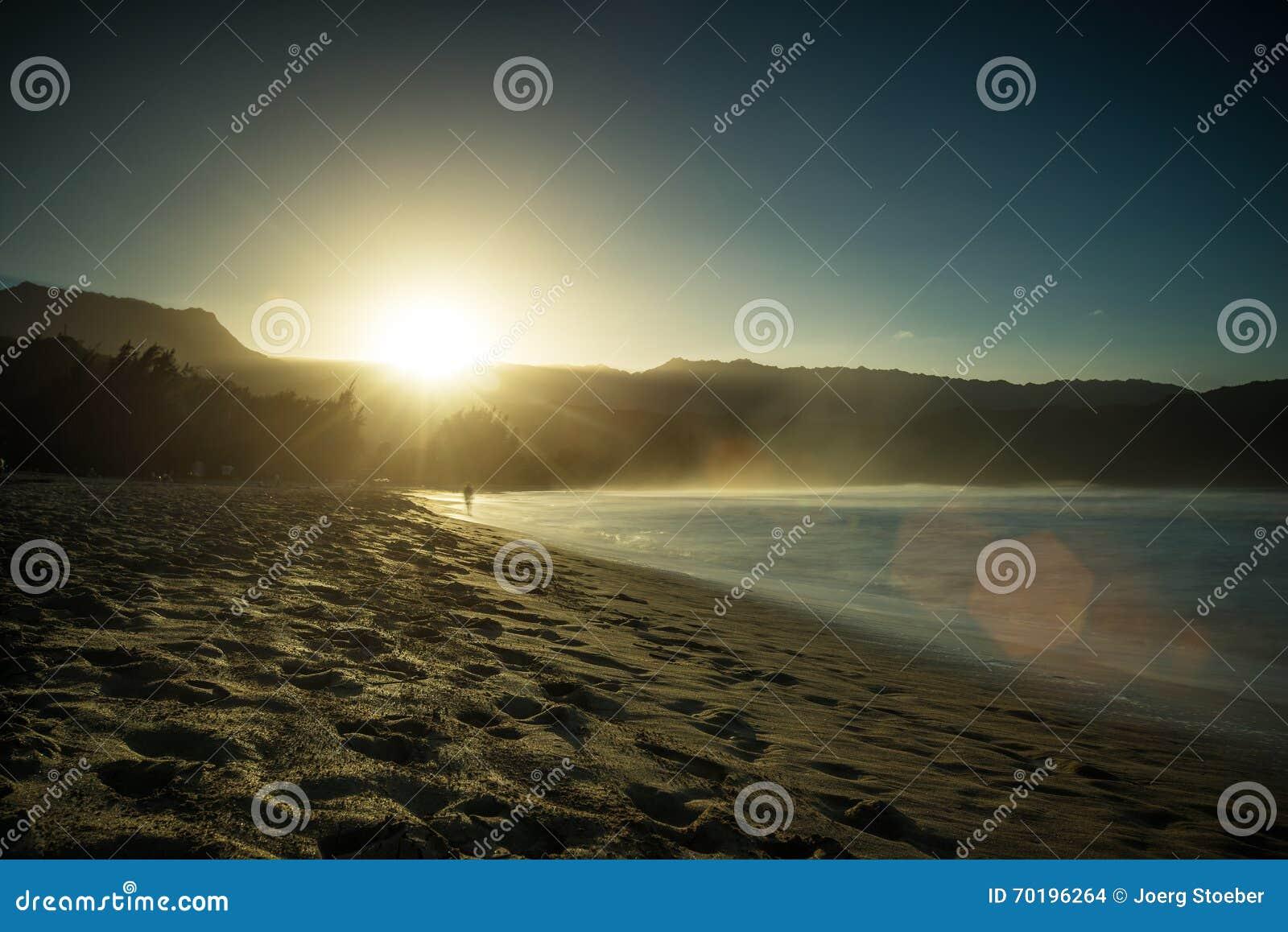 Solnedgång på den Hanalei fjärden, Kauai