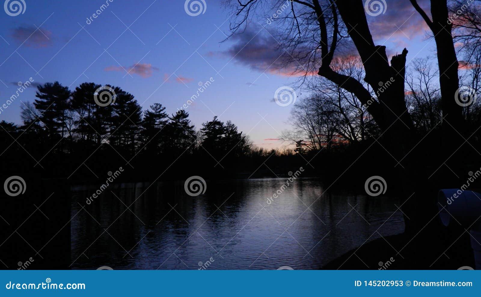 Solnedgång på en varm sommarnatt