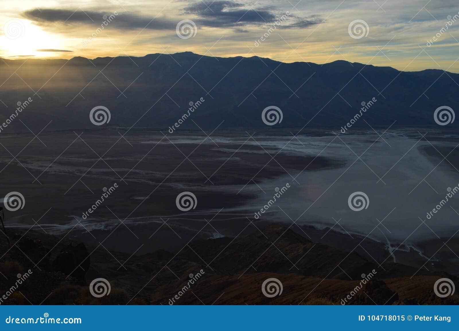 Solnedgång på sikten för Dante ` s i Death Valley Kalifornien