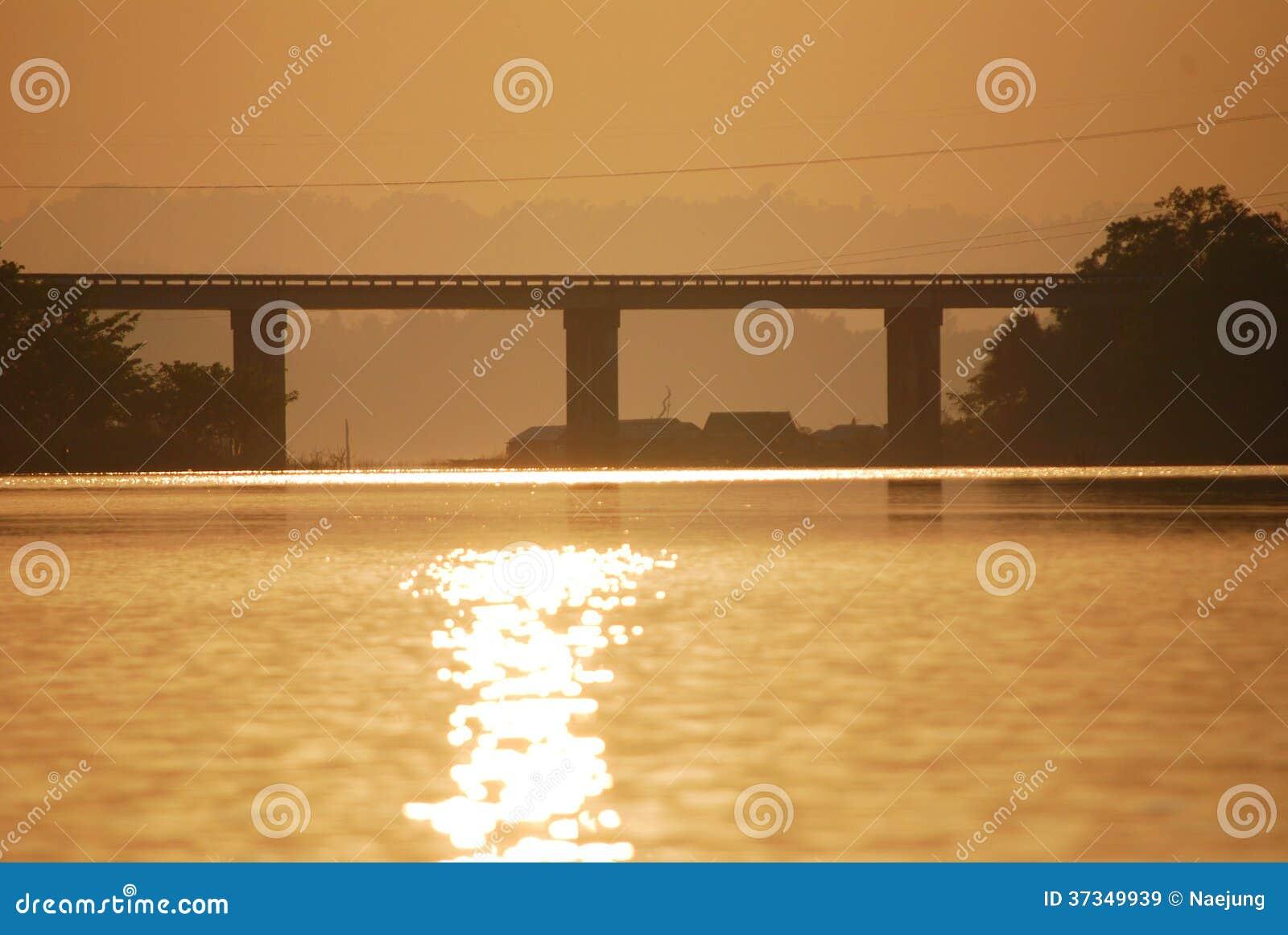 Solnedgångbro