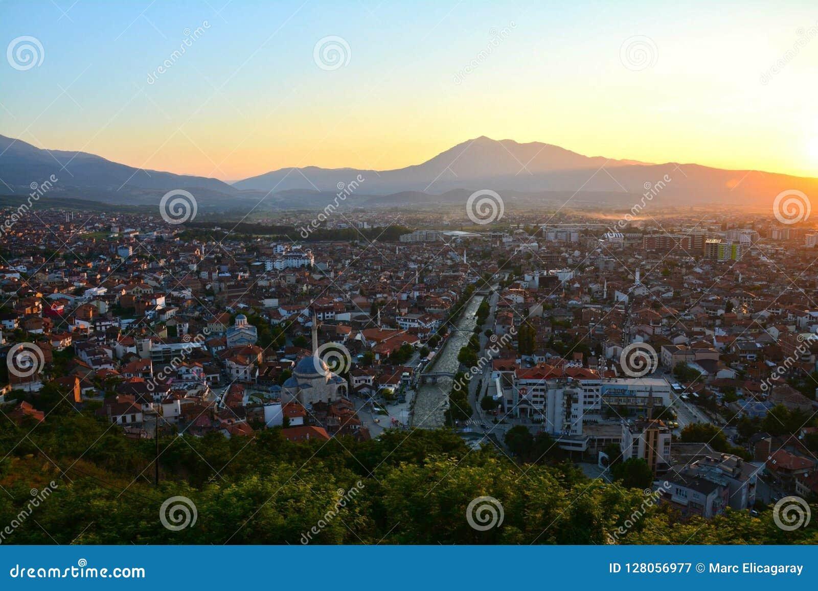 Solnedgången över prizren Kosovo
