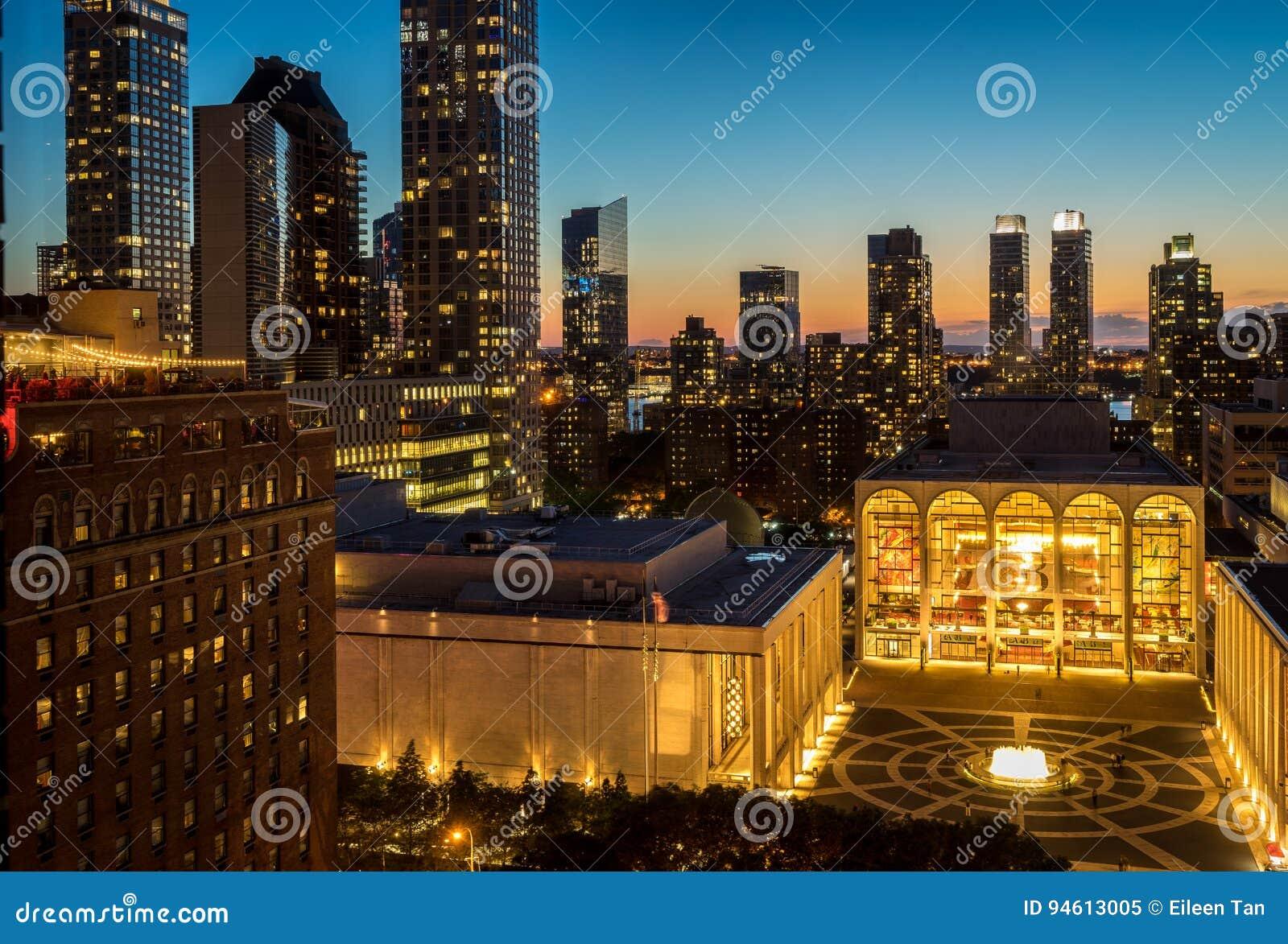Solnedgångsikt av Lincoln Center