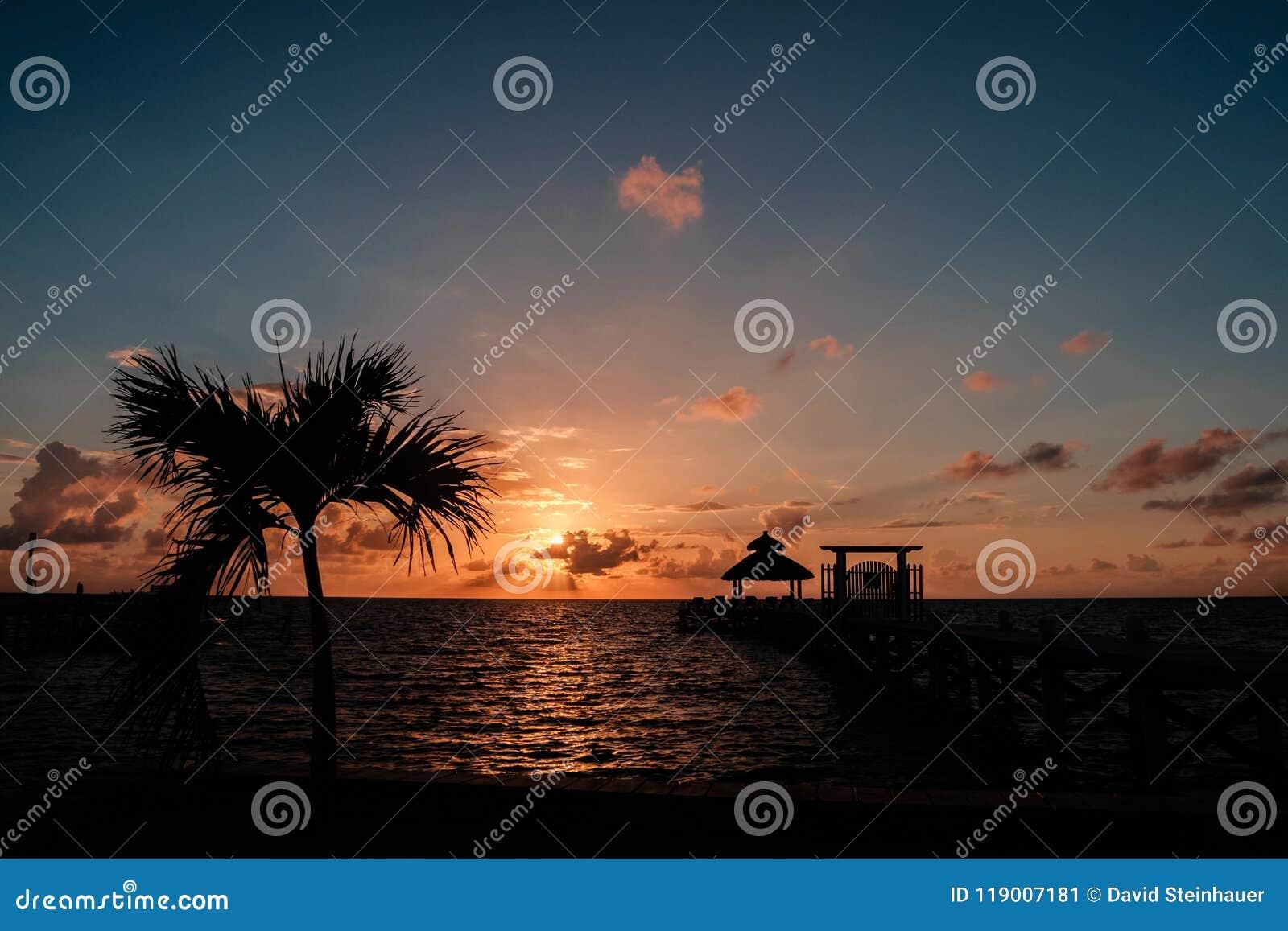 Soluppgång över det karibiska havet
