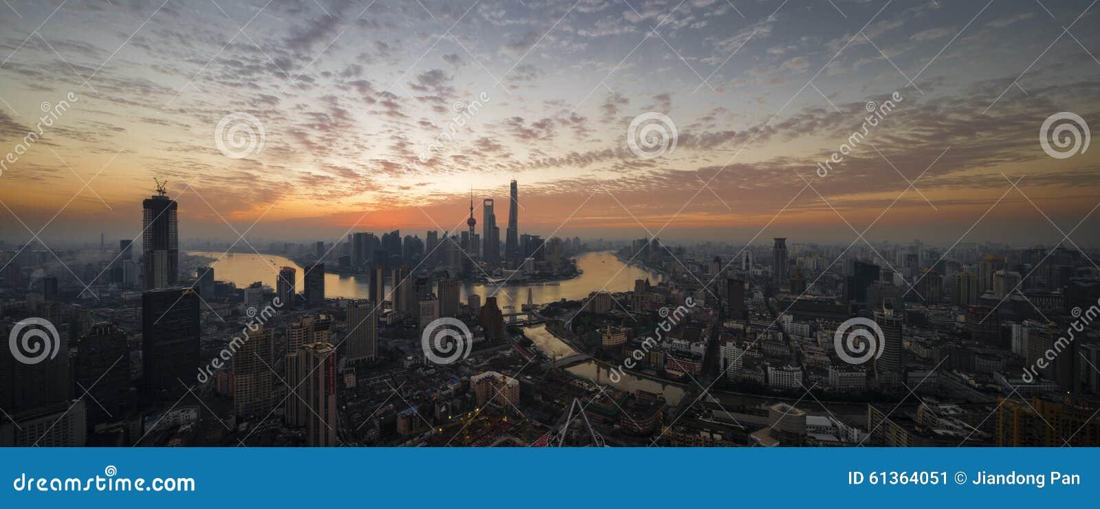 Soluppgång i Shanghai