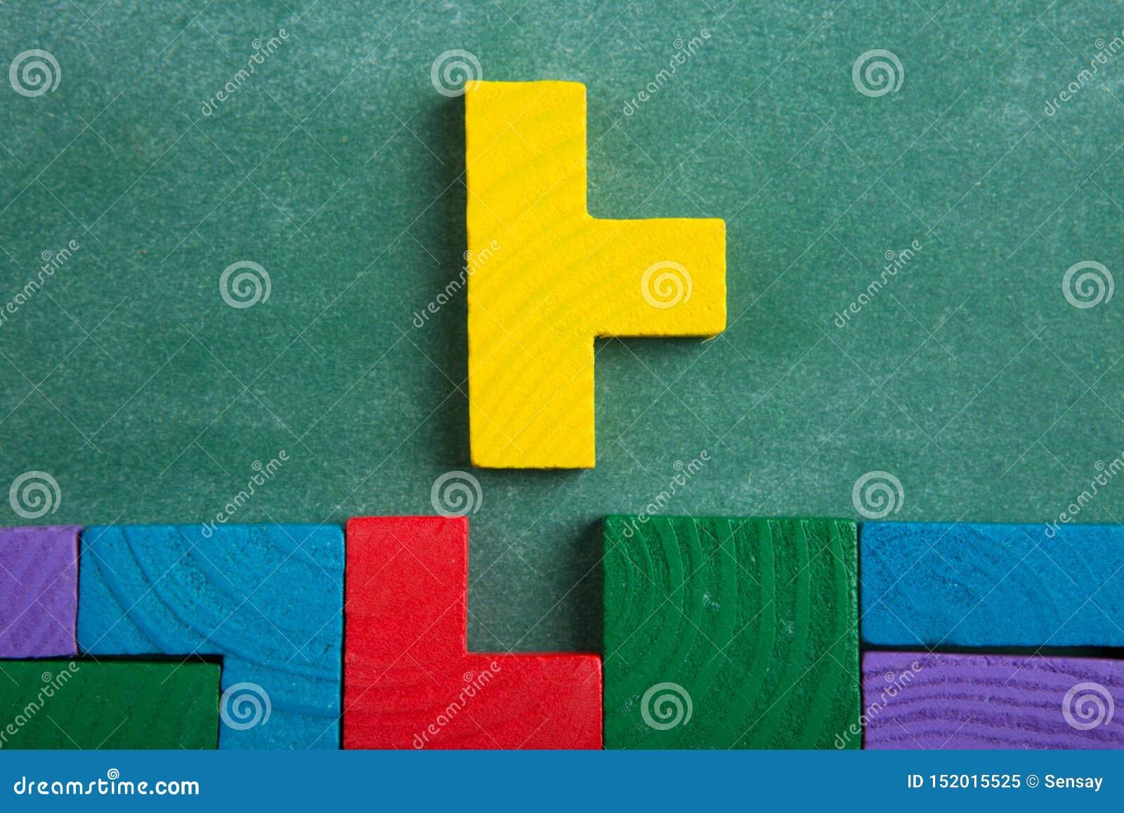 Solution Creative Pour L Idee Concept D Affaires Puzzle Denteux Sur Le Tableau Noir Image Stock Image Du Tableau Idee 152015525