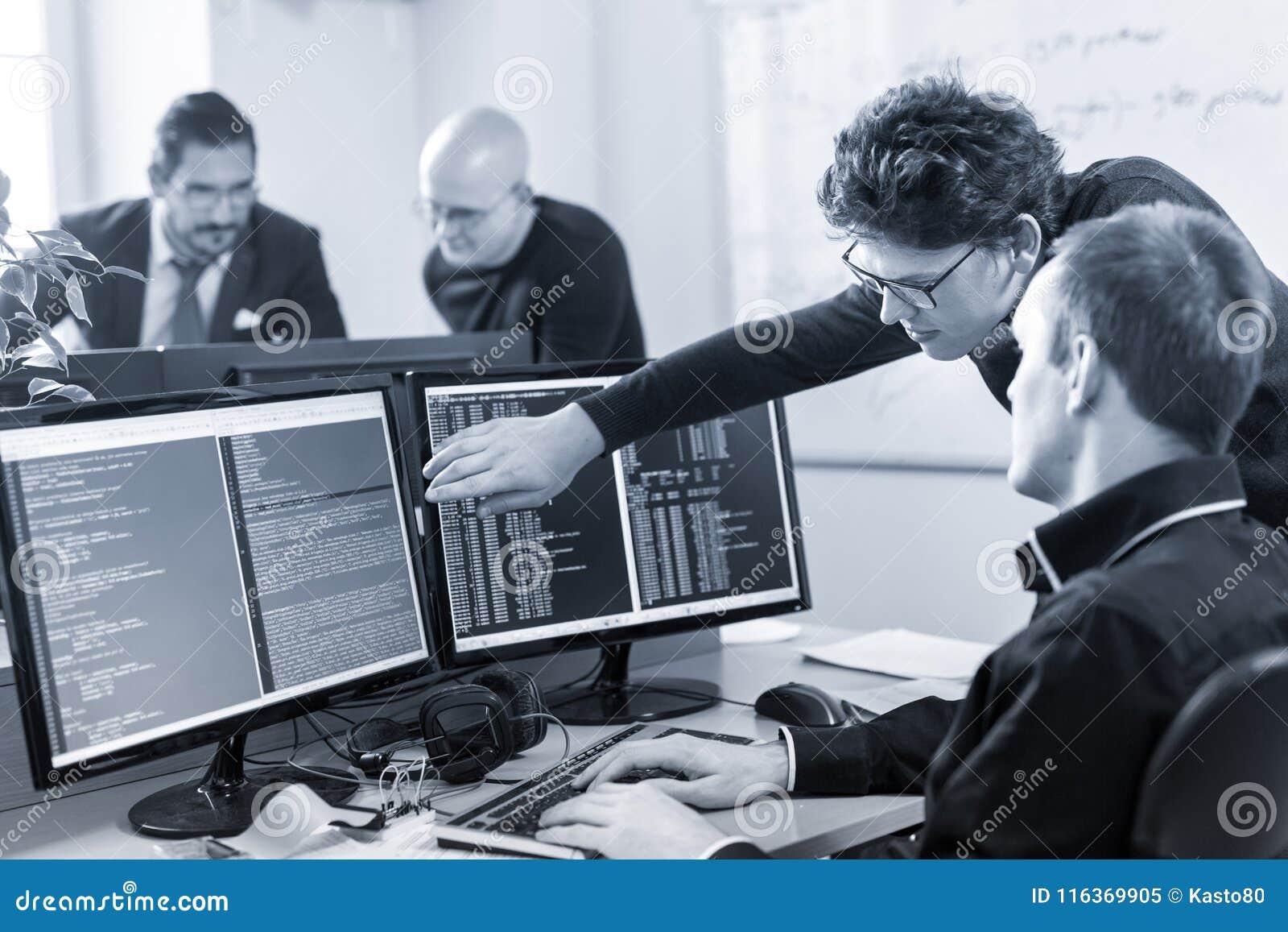 solution de problème commercial de jeune entreprise programmateurs
