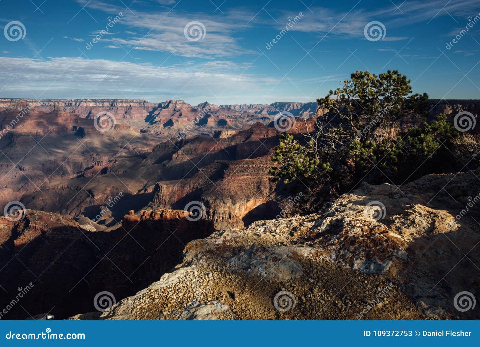 Sombras de la puesta del sol sobre Grand Canyon, Arizona