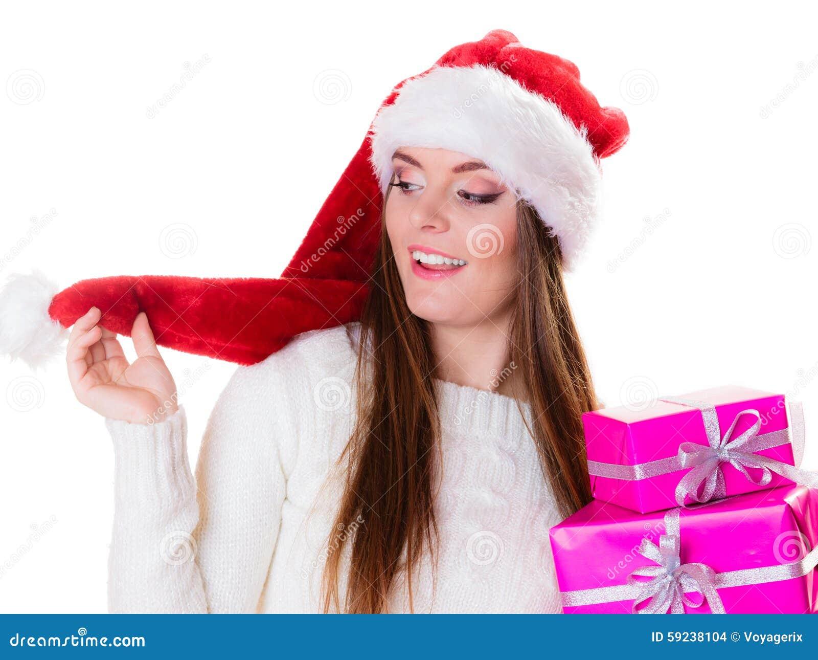 Sombrero del ayudante de santa de la mujer con muchas cajas de regalo rosadas