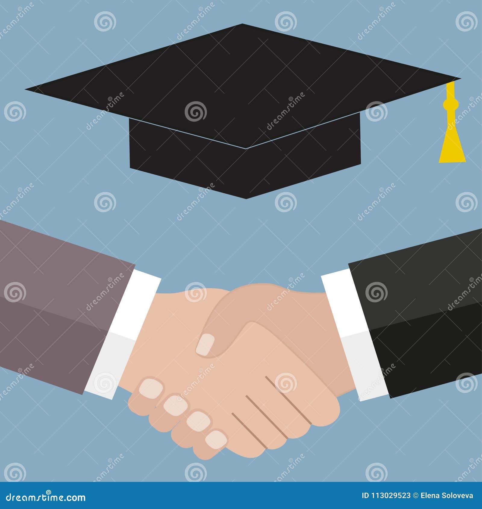 Sombrero del estudiante del apretón de manos en un fondo azul