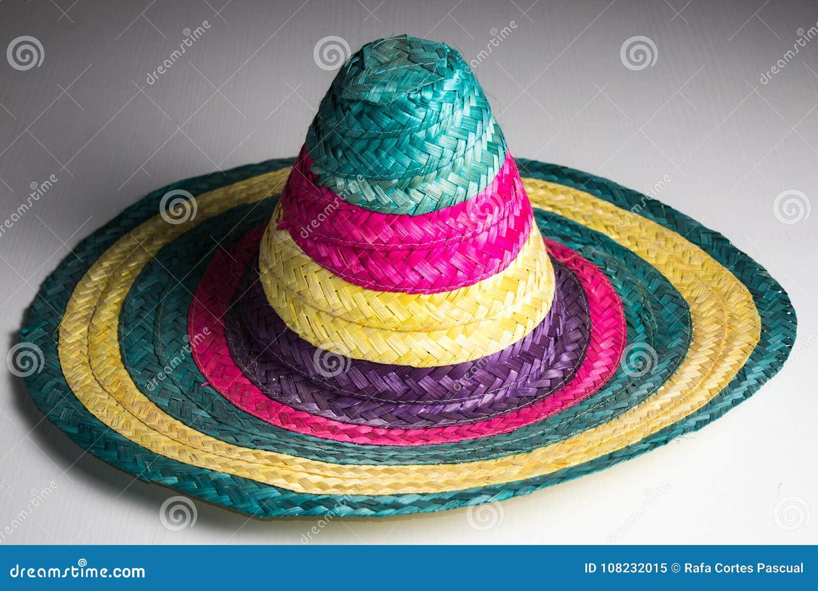 Sombrero Mexicano Tradicional Con Colores Imagen de archivo - Imagen ... 0aae6a260a5