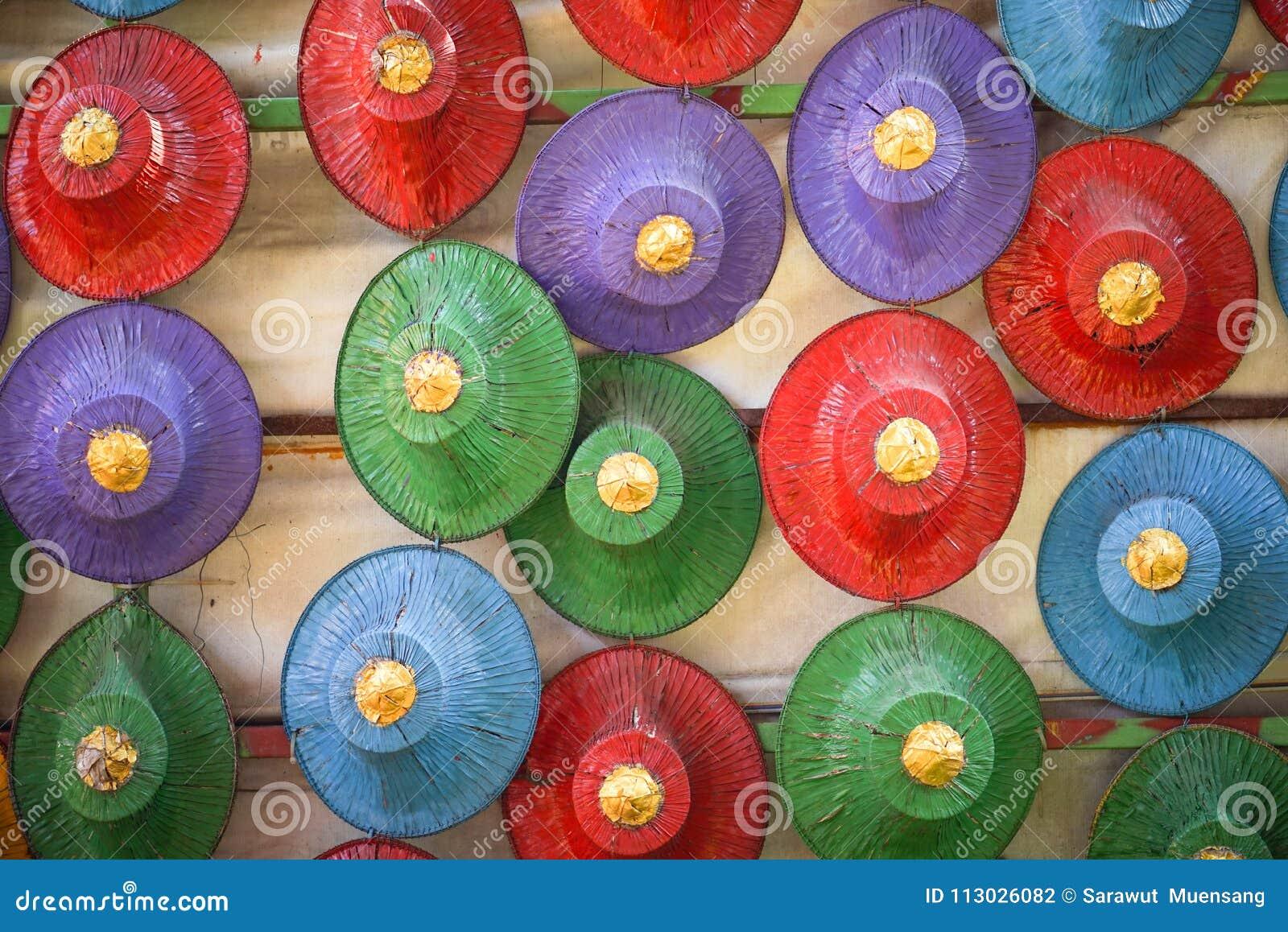 Sombreros hechos de la palma