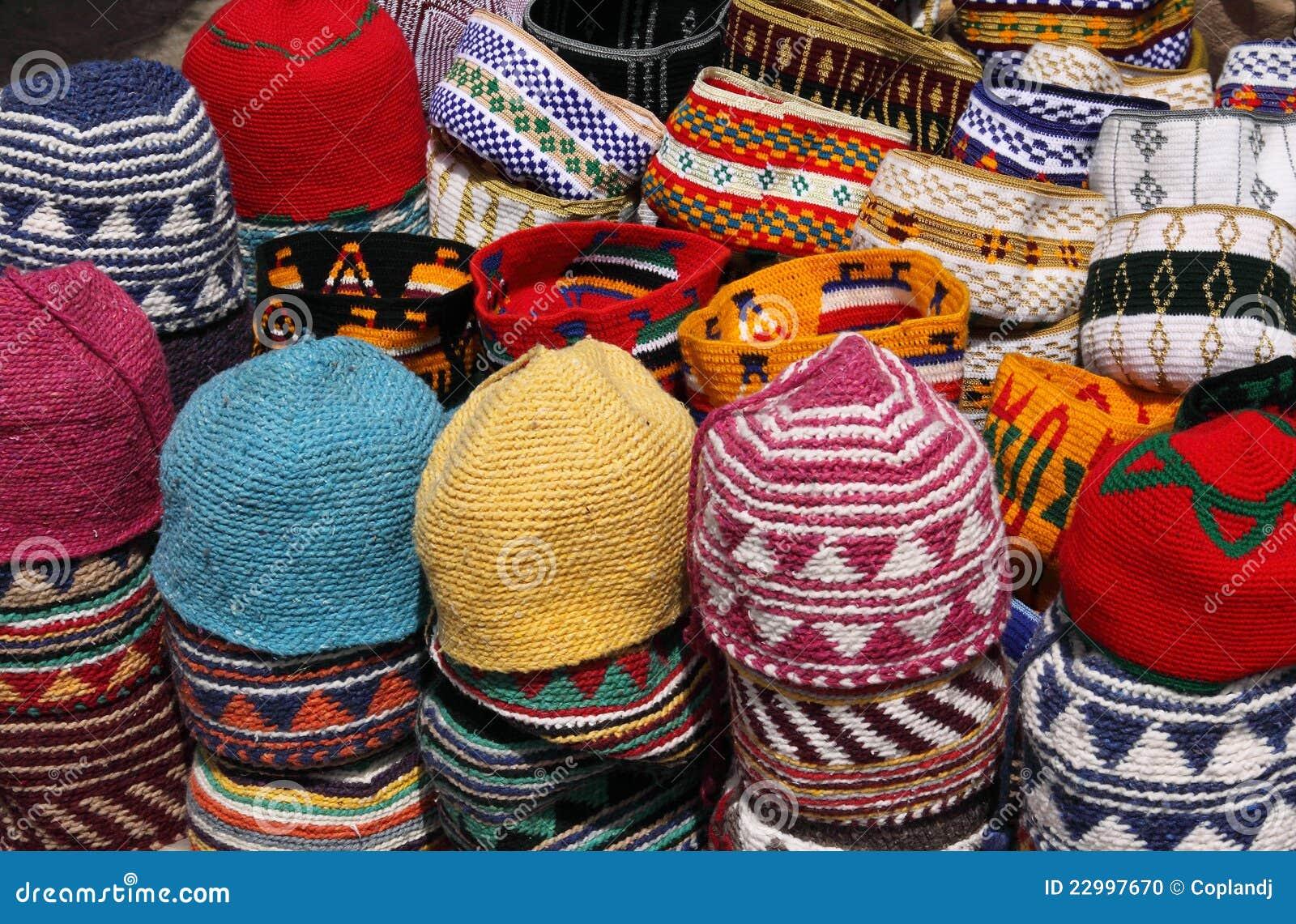 diseño encantador despeje amplia selección de colores y diseños Sombreros Marroquíes Hechos Punto Coloridos Foto de archivo ...