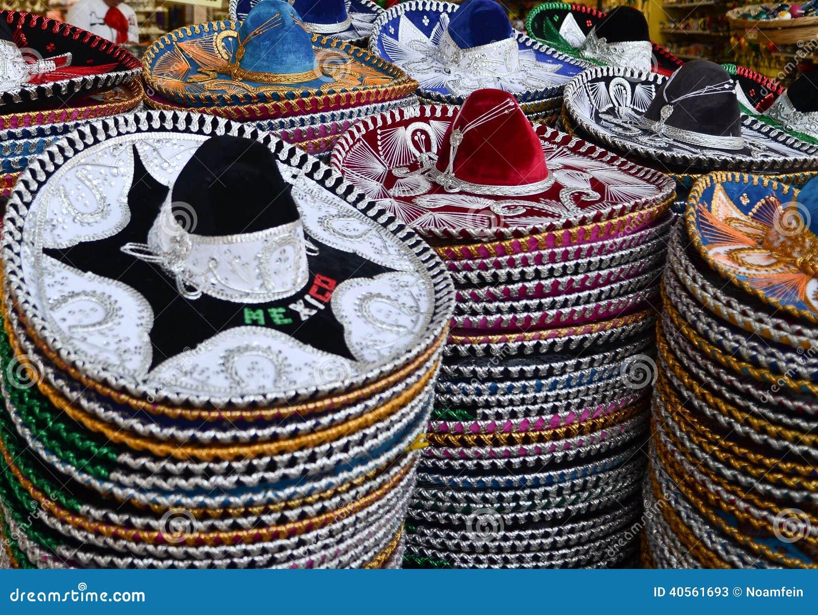 Sombreros mexicanos en tienda de regalos