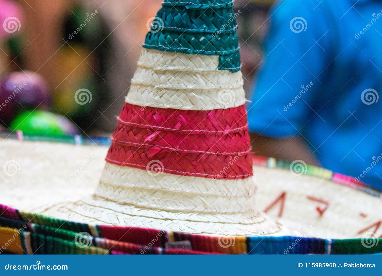 Sombreros Mexicanos Tradicionales Foto de archivo - Imagen de pila ... 592fe6ed3bf
