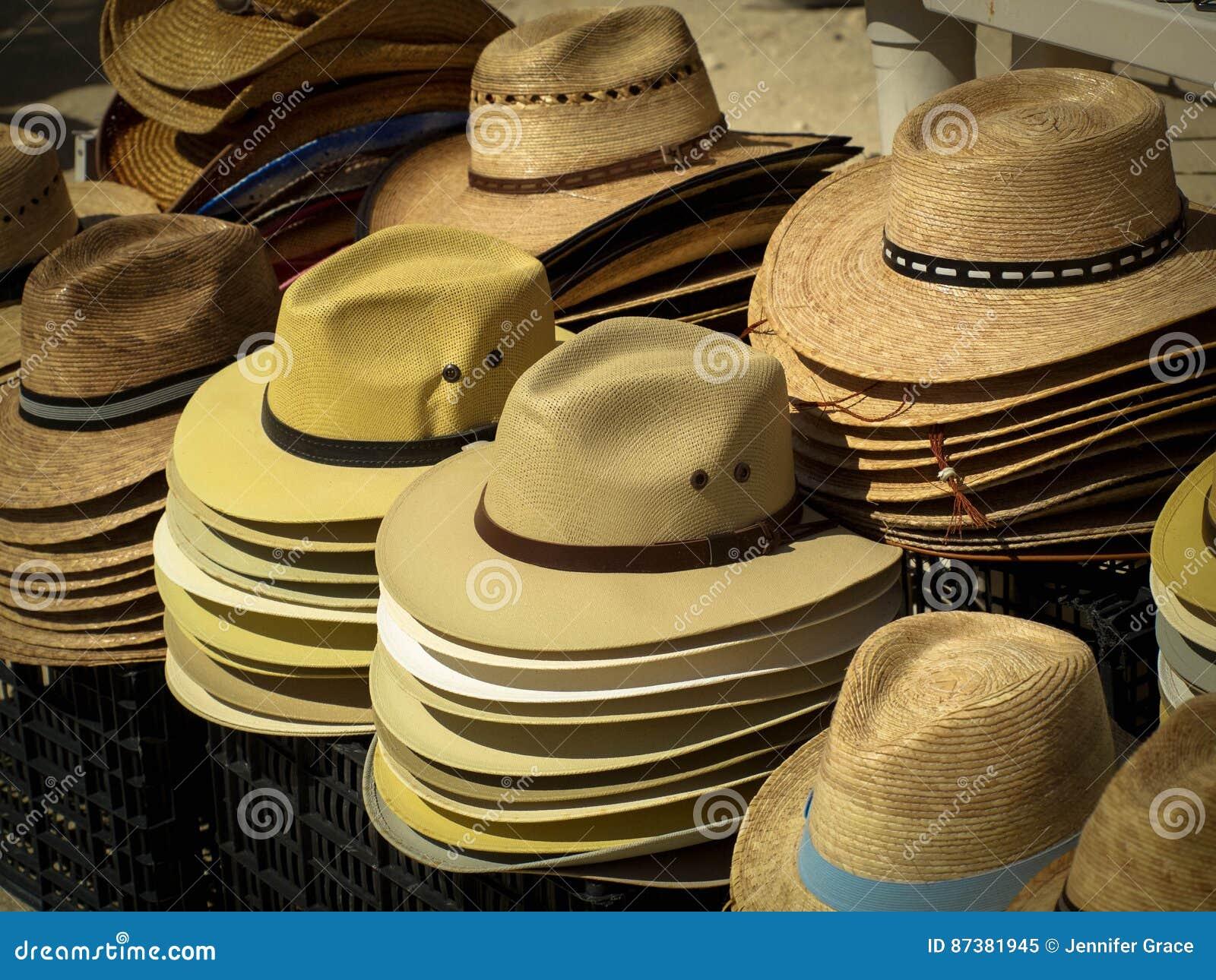 ca4e2ee03d Sombreros para las ventas imagen de archivo. Imagen de ventas - 87381945