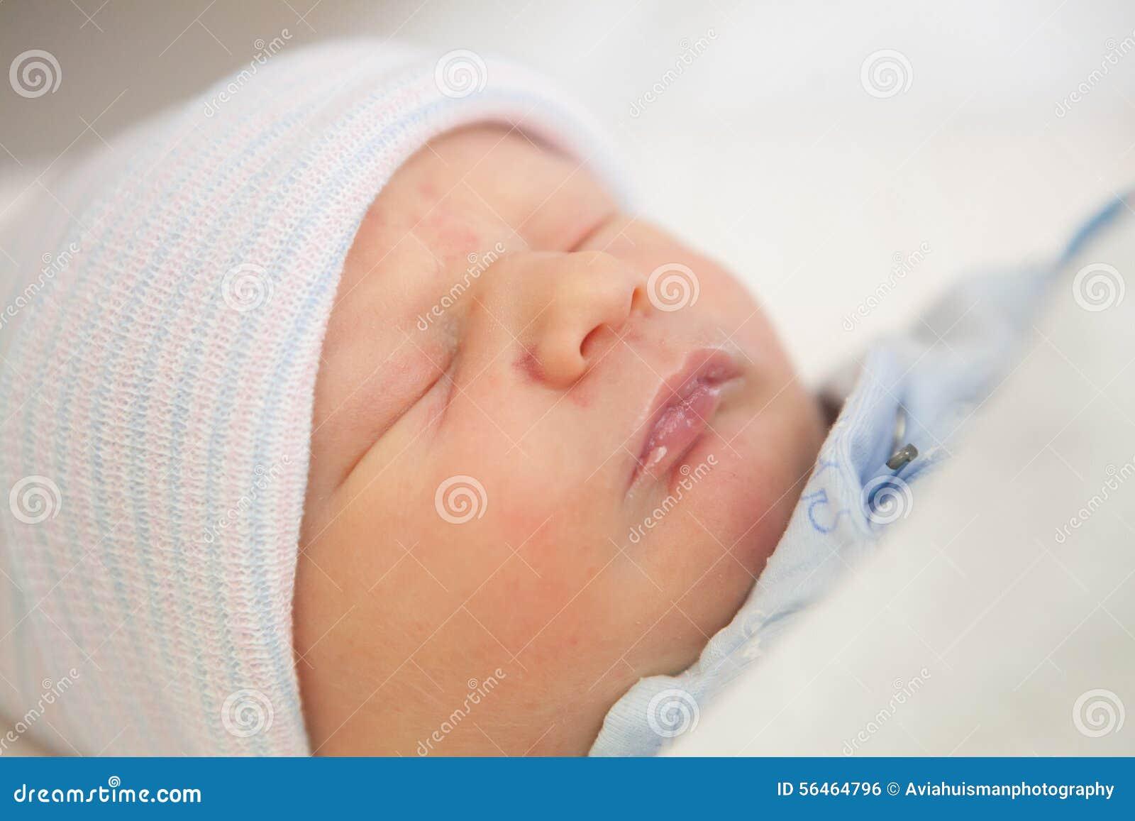 Sommeil de nourrisson nouveau-né
