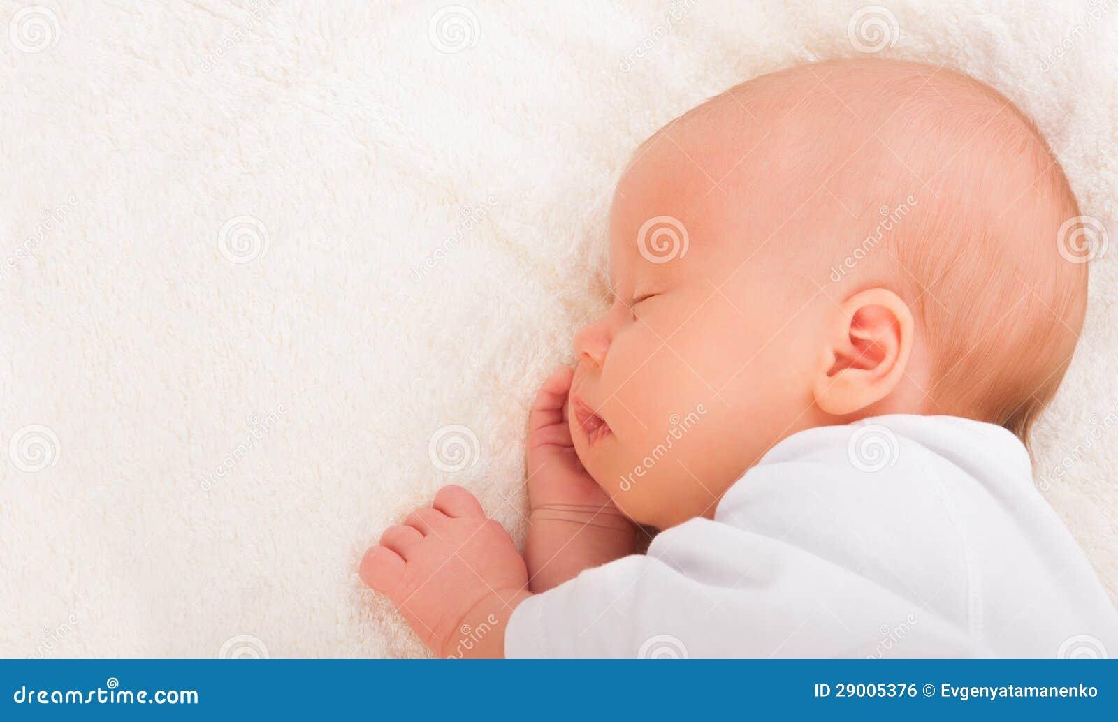 Sommeils nouveau-nés de chéri