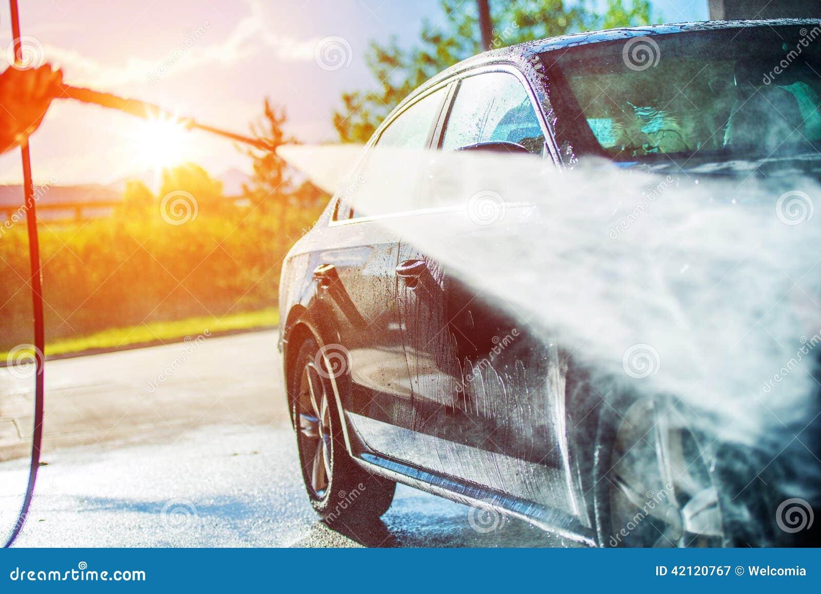 Sommer-Auto-Reinigung