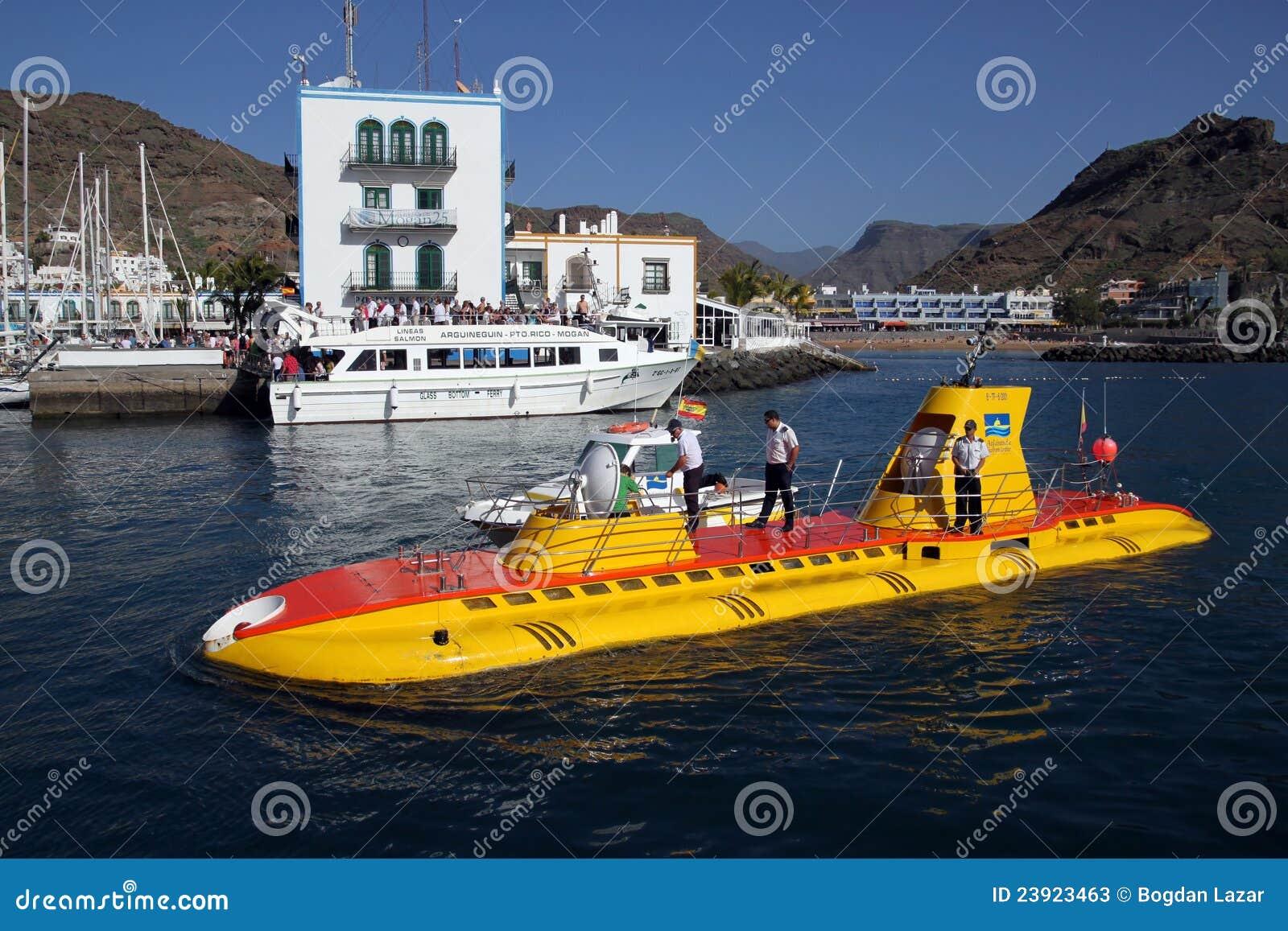 Sommergibile in puerto de mogan gran canaria spagna fotografia stock editoriale immagine - Puerto mogan gran canaria ...