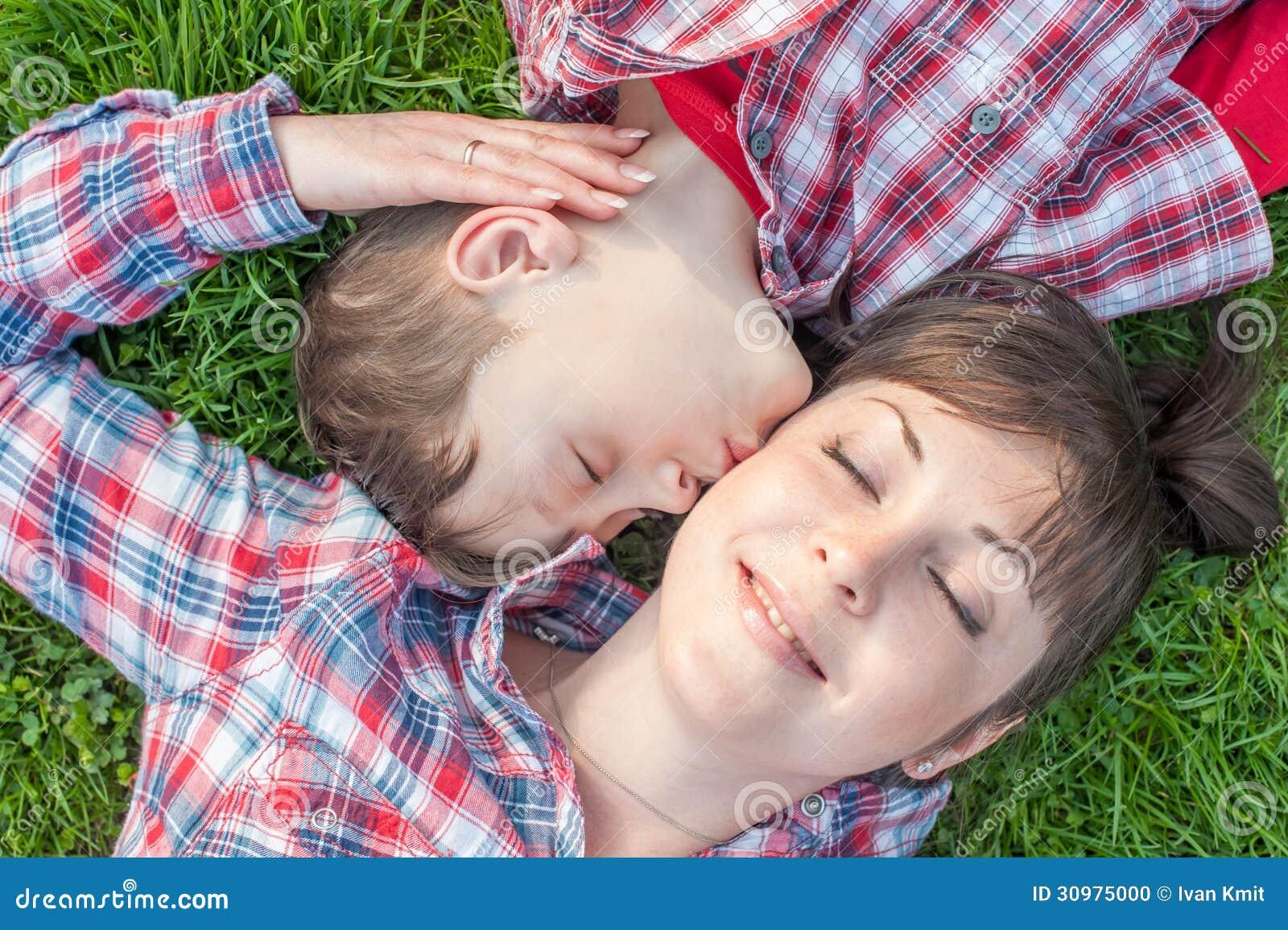 Смотреть сын и мама 14 фотография
