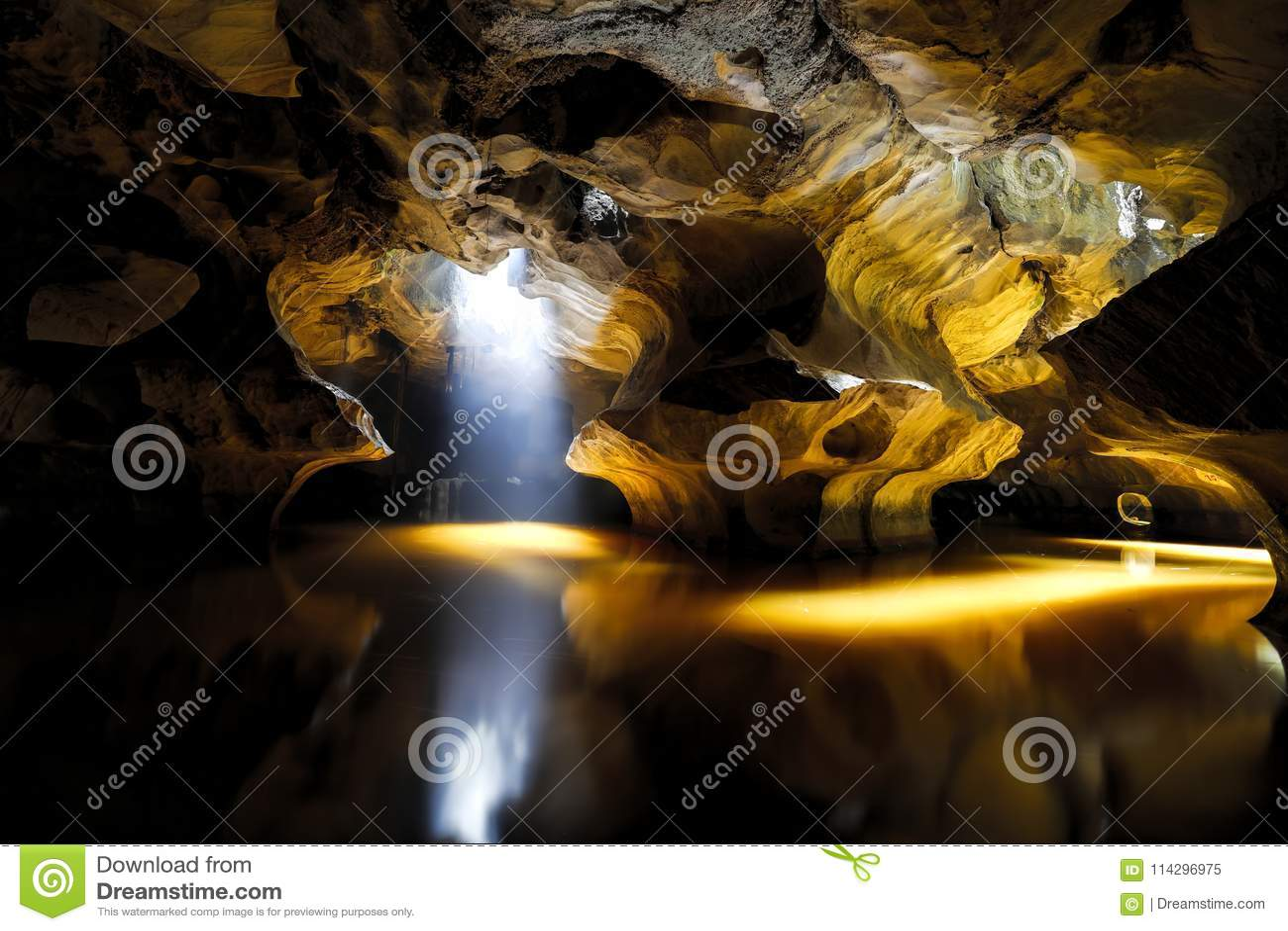 Son tra caver