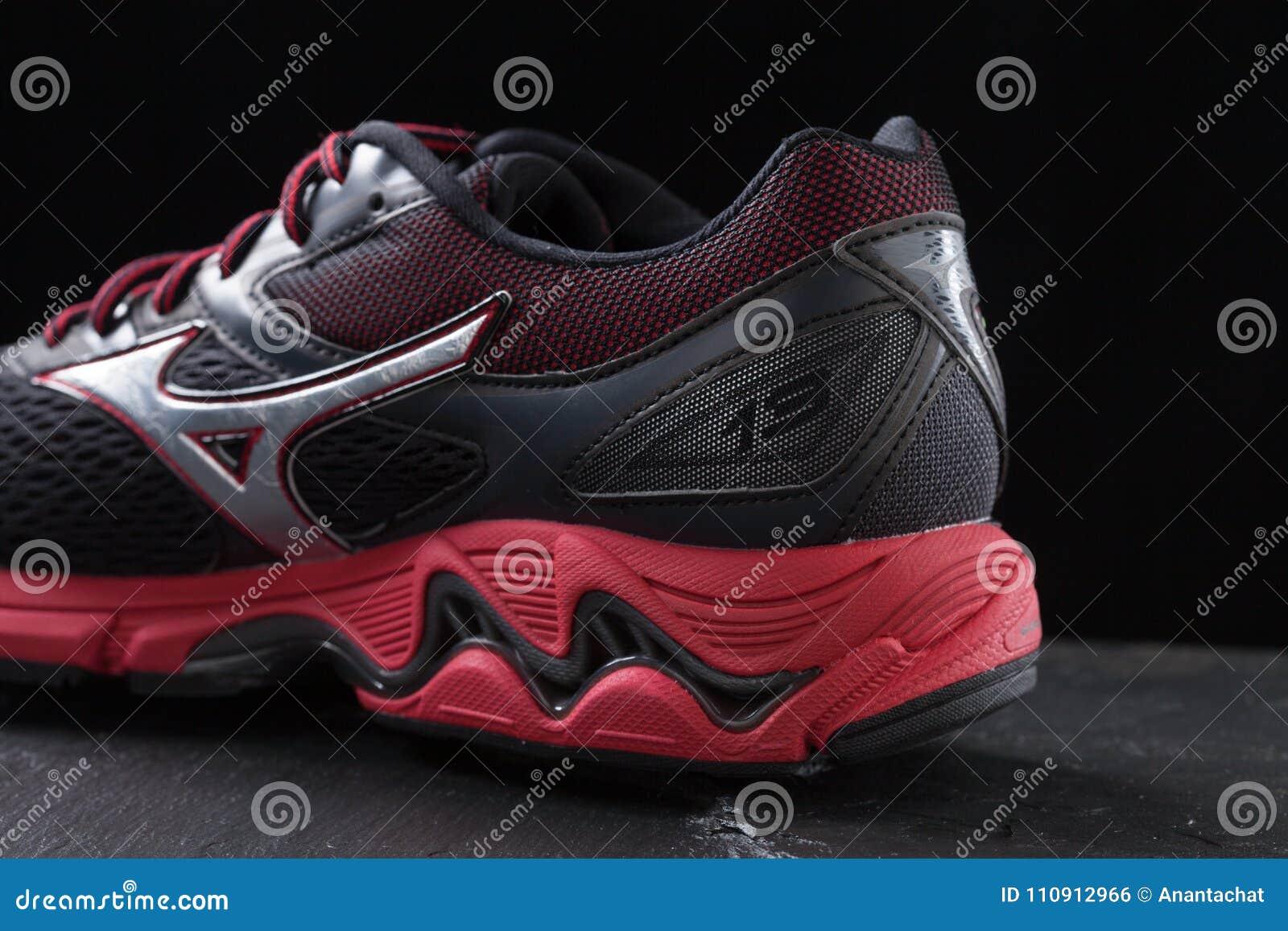 mizuno shoes thailand