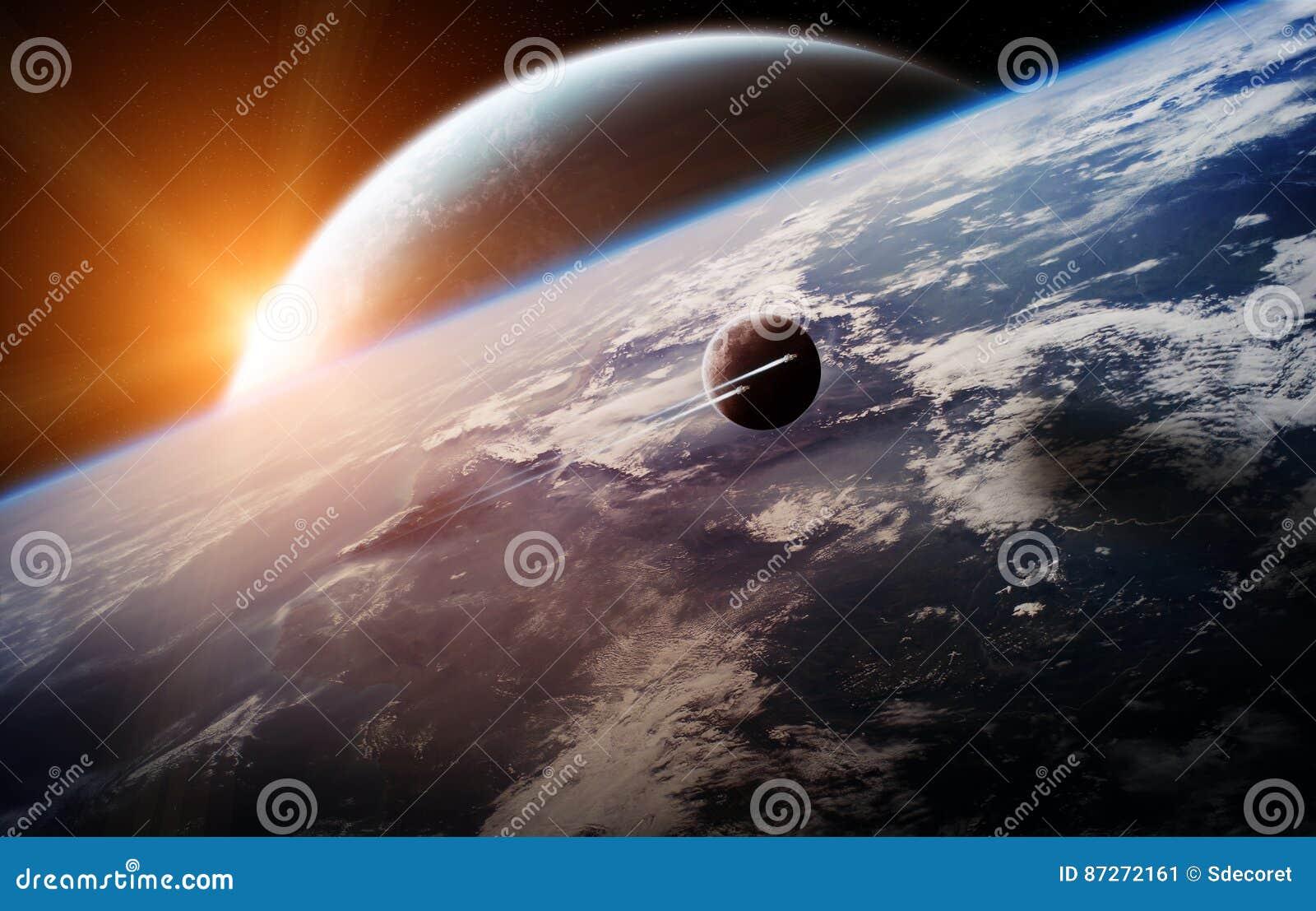 Sonnenaufgang über entferntem Planetensystem im Wiedergabeelement des Raumes 3D