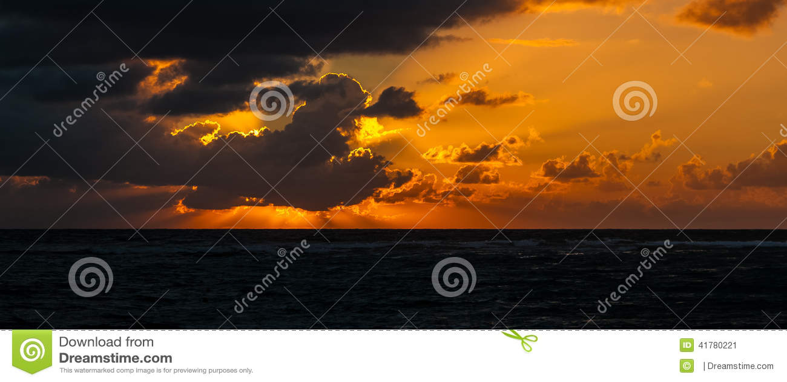 Sonnenaufgang über karibischem meeres- Mexiko