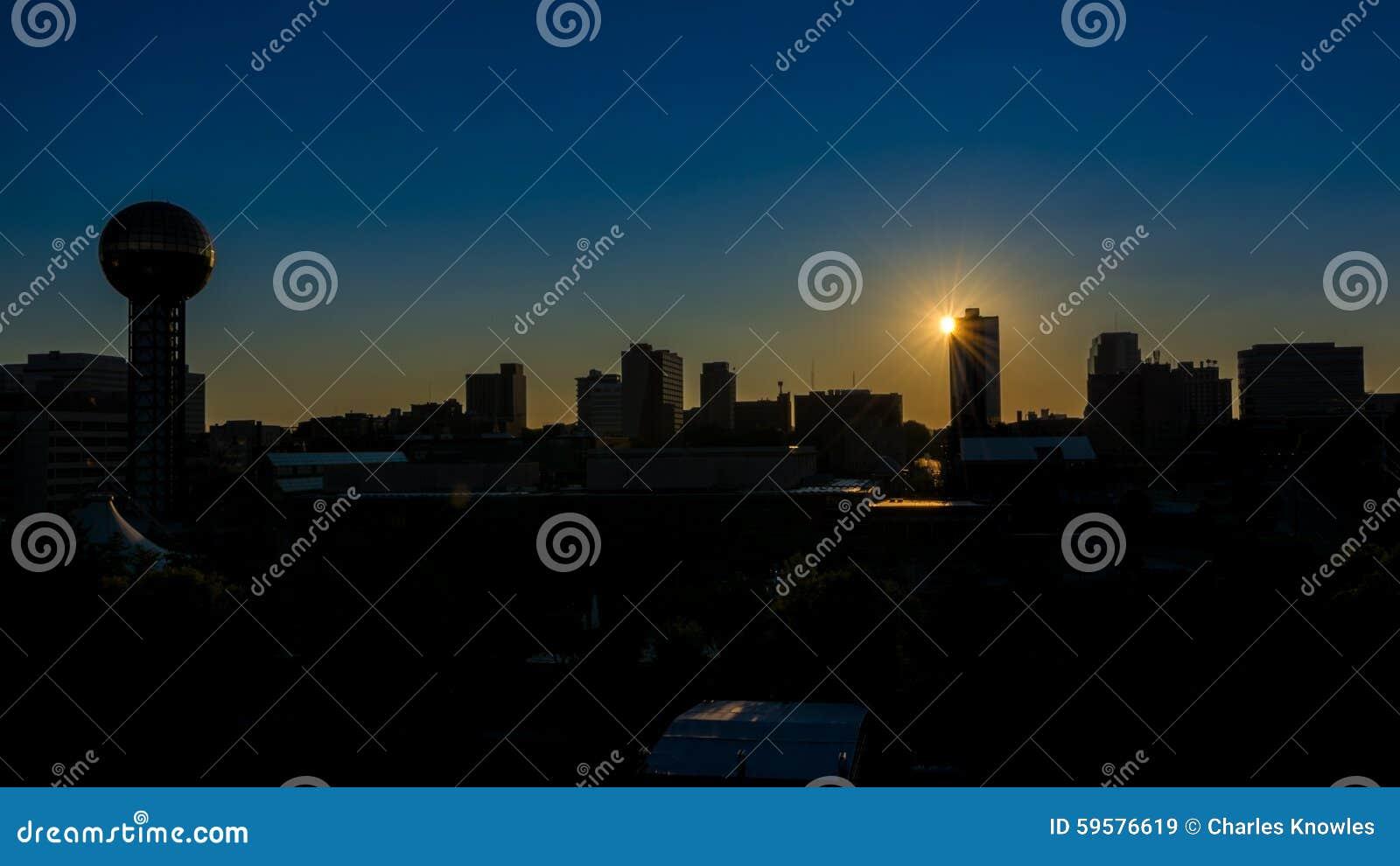 Sonnenaufgang über Knoxville Tennessee-Skylinen