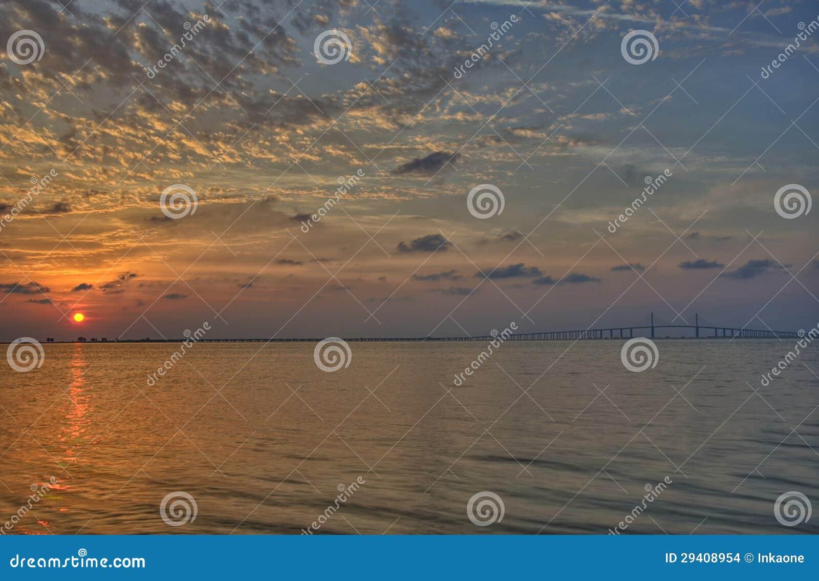 Sonnenaufgang über Tampa Bay