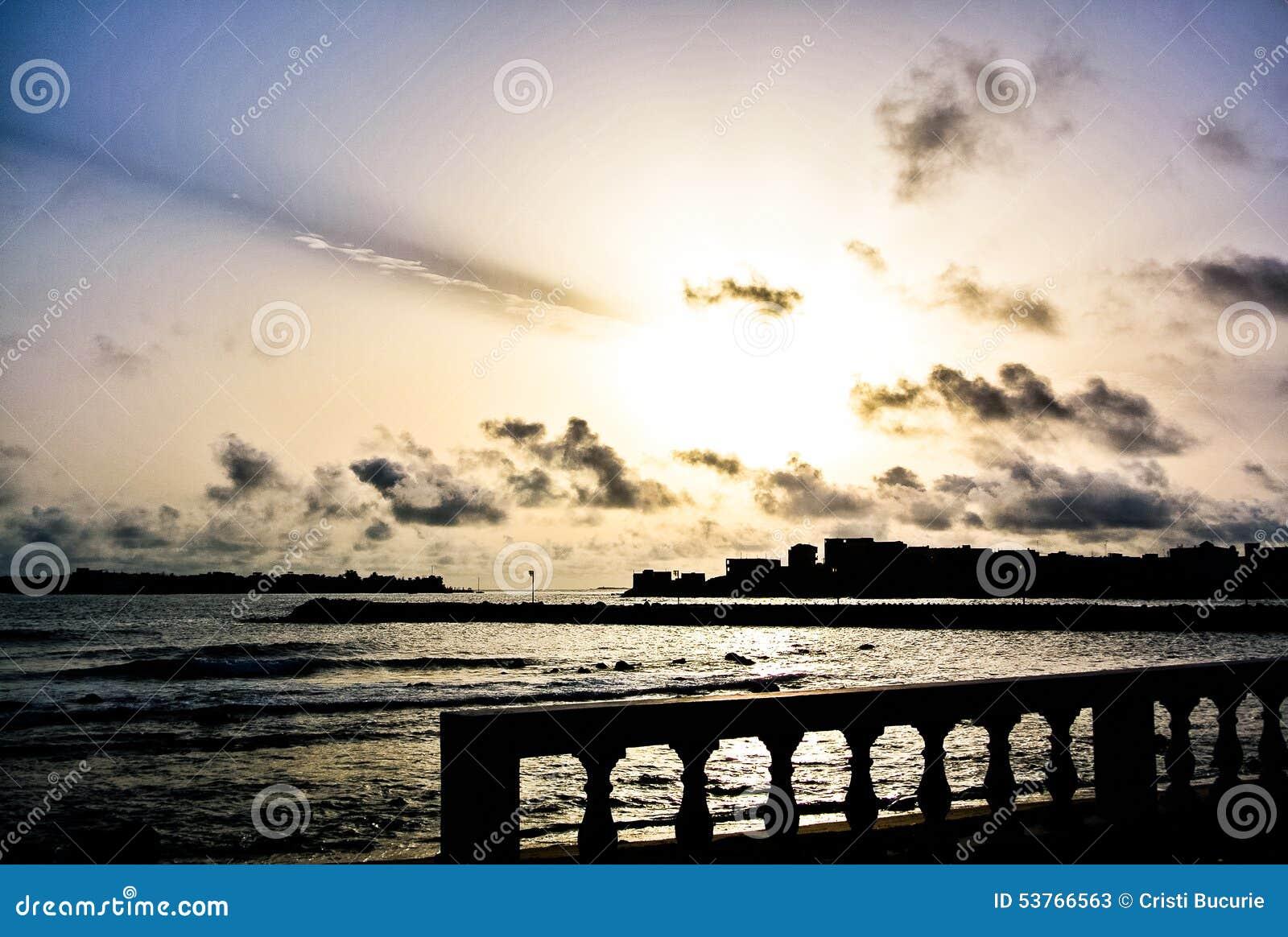 Sonnenaufgang in Seychellen-Inseln