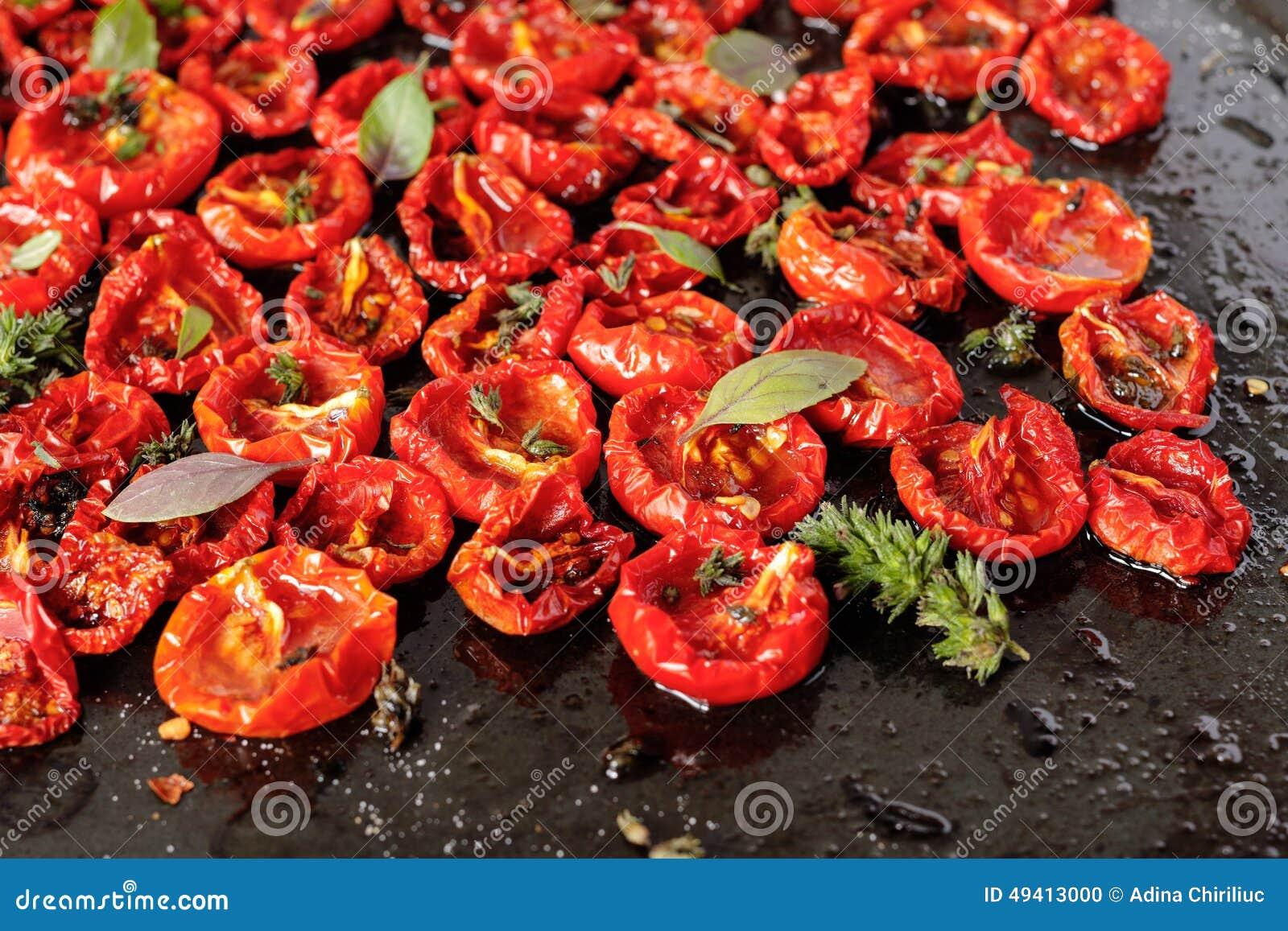 Download Sonnengetrocknete Tomaten stockfoto. Bild von italienisch - 49413000