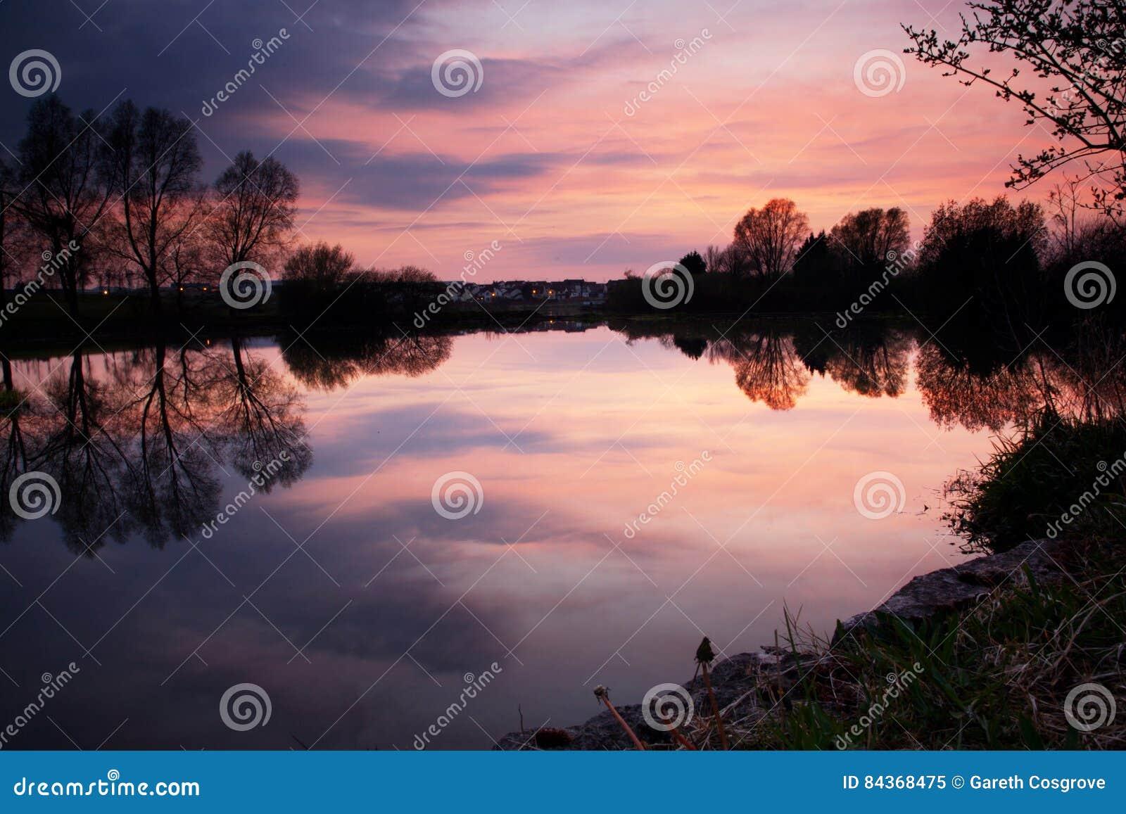 Sonnenuntergang über Craigavon Seen, Nordirland