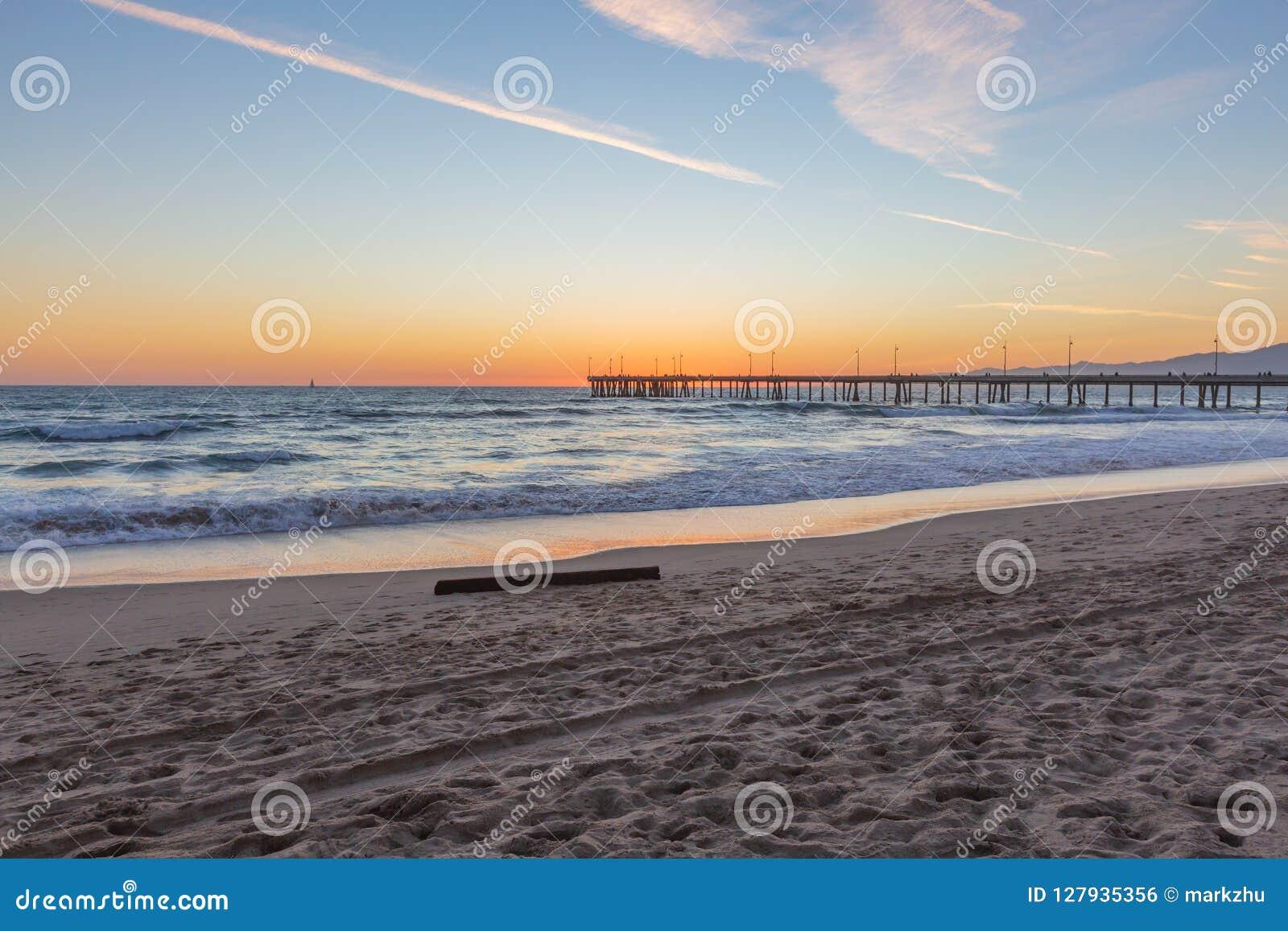 Sonnenuntergang über Venedig-Fischen-Pier in Venedig-Strand, Los Angeles
