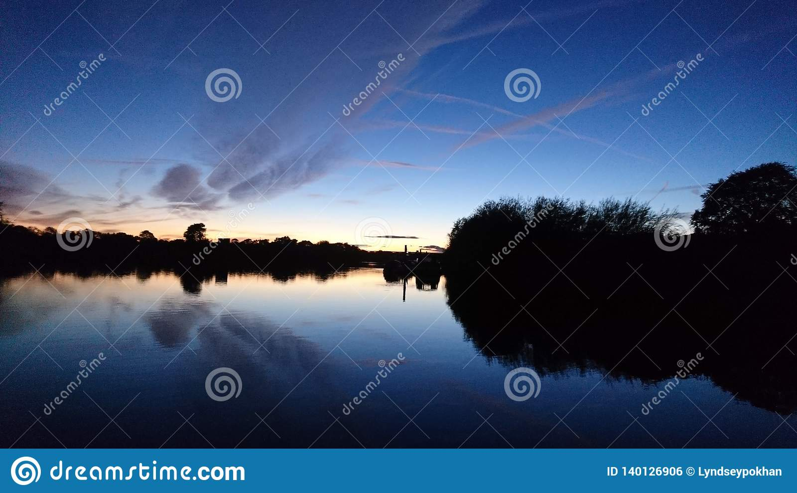 Sonnenuntergang auf dem Fluss Trent