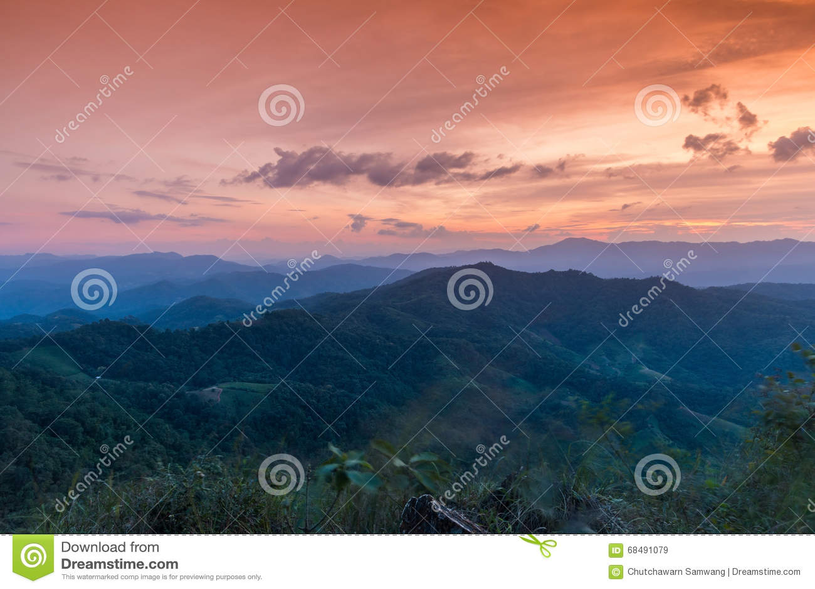 Sonnenuntergang bei Ngo Mon Viewpoint
