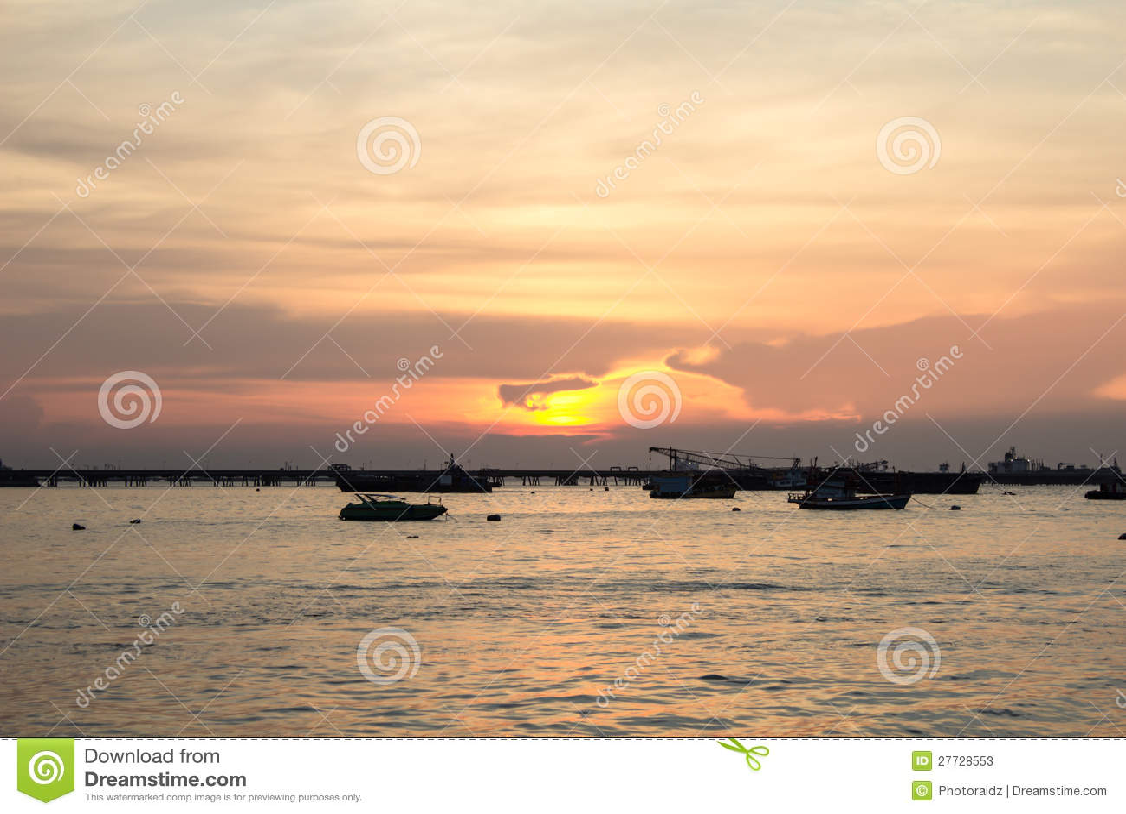 Sonnenuntergang an der Hochseefischerei.
