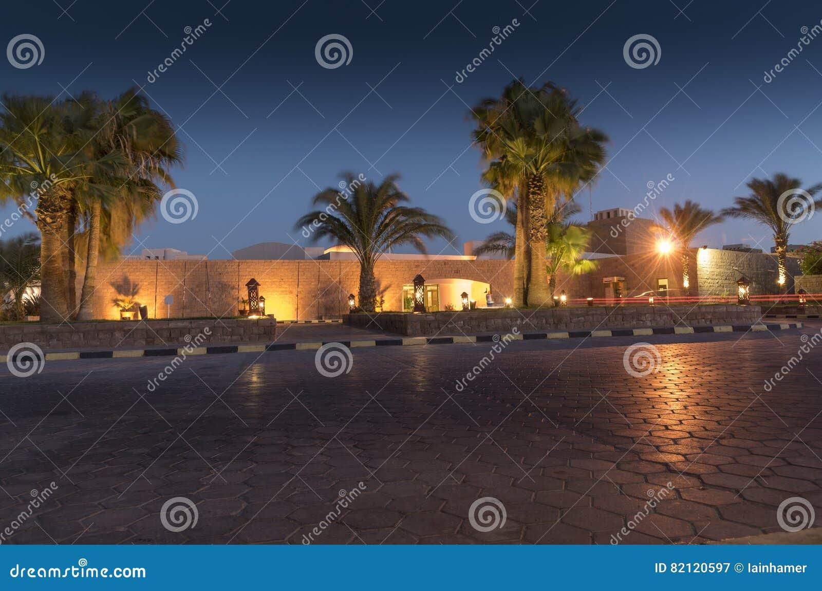 Großartig Hotelangestellte Setzen Kugeln Fort Ideen - Beispiel ...
