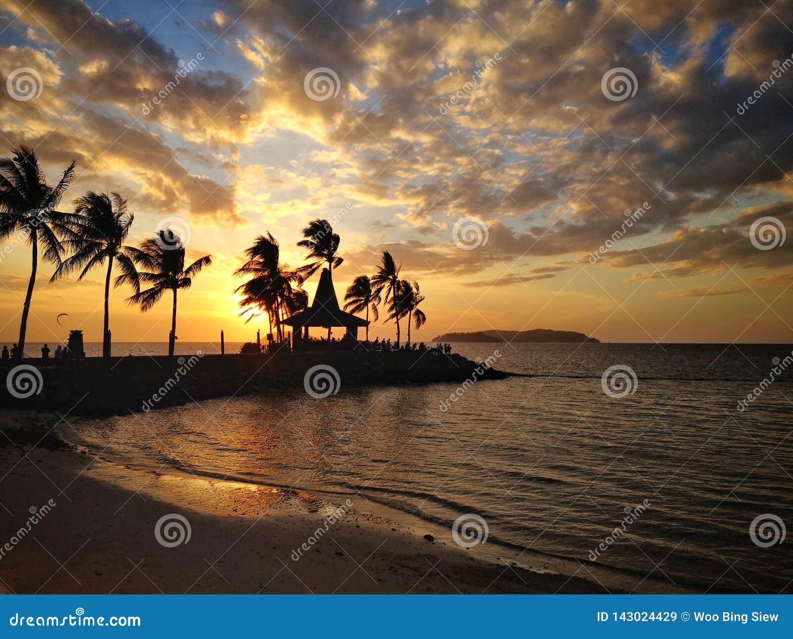 Sonnenuntergang im Strand