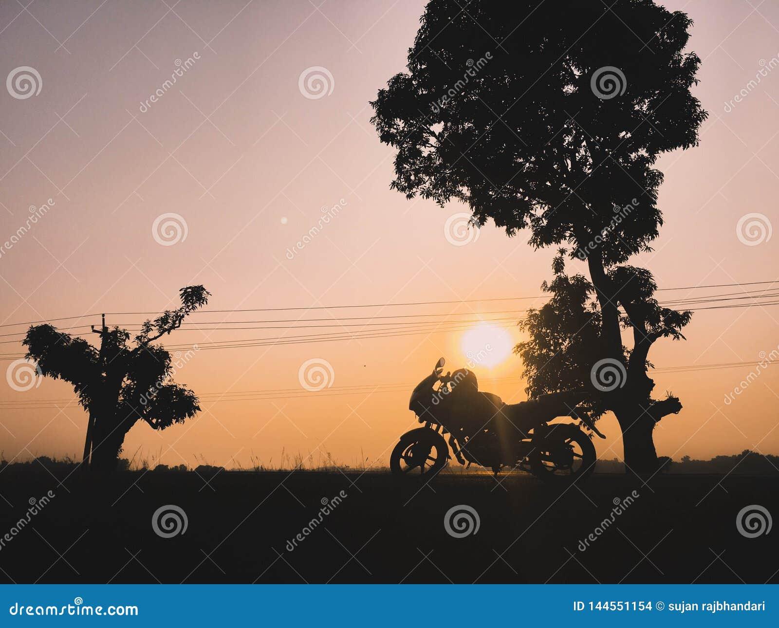 Sonnenuntergang und Reise