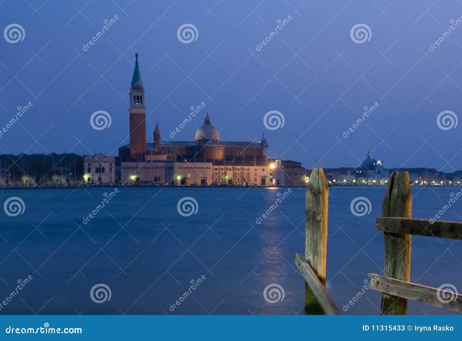 Sonnenuntergang in Venedig mit Ansicht über S.Georgio