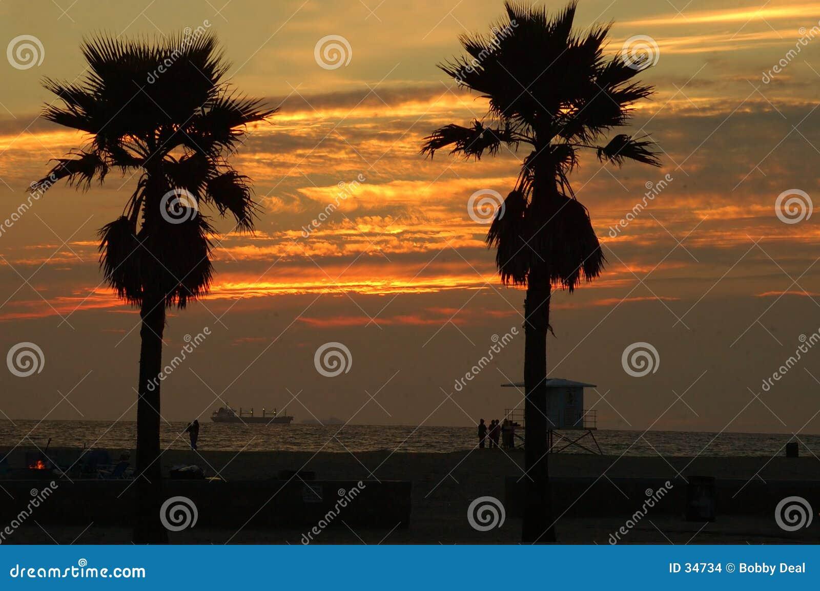 Sonnenuntergang-Verschiffen-Gold