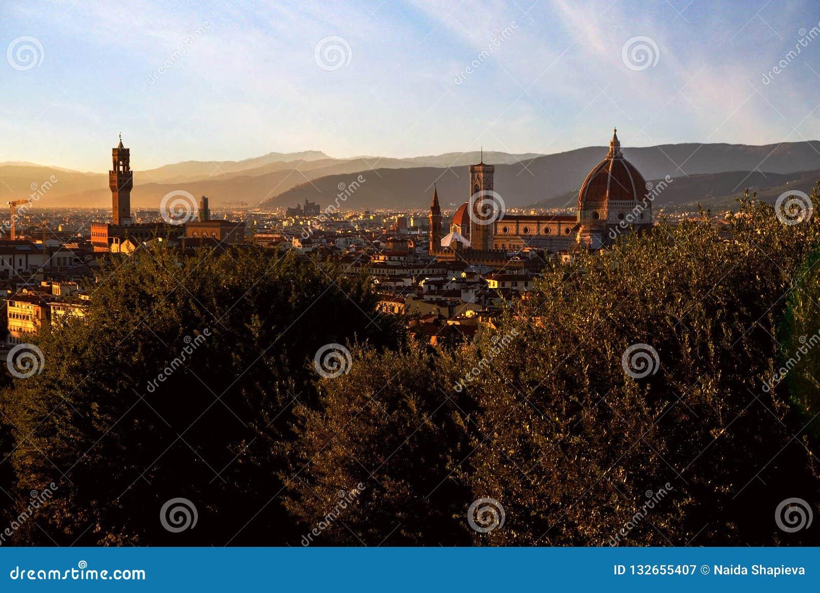 Sonnenuntergangansicht von Florenz, von Palazzo Vecchio und von Florence Duomo, Ita