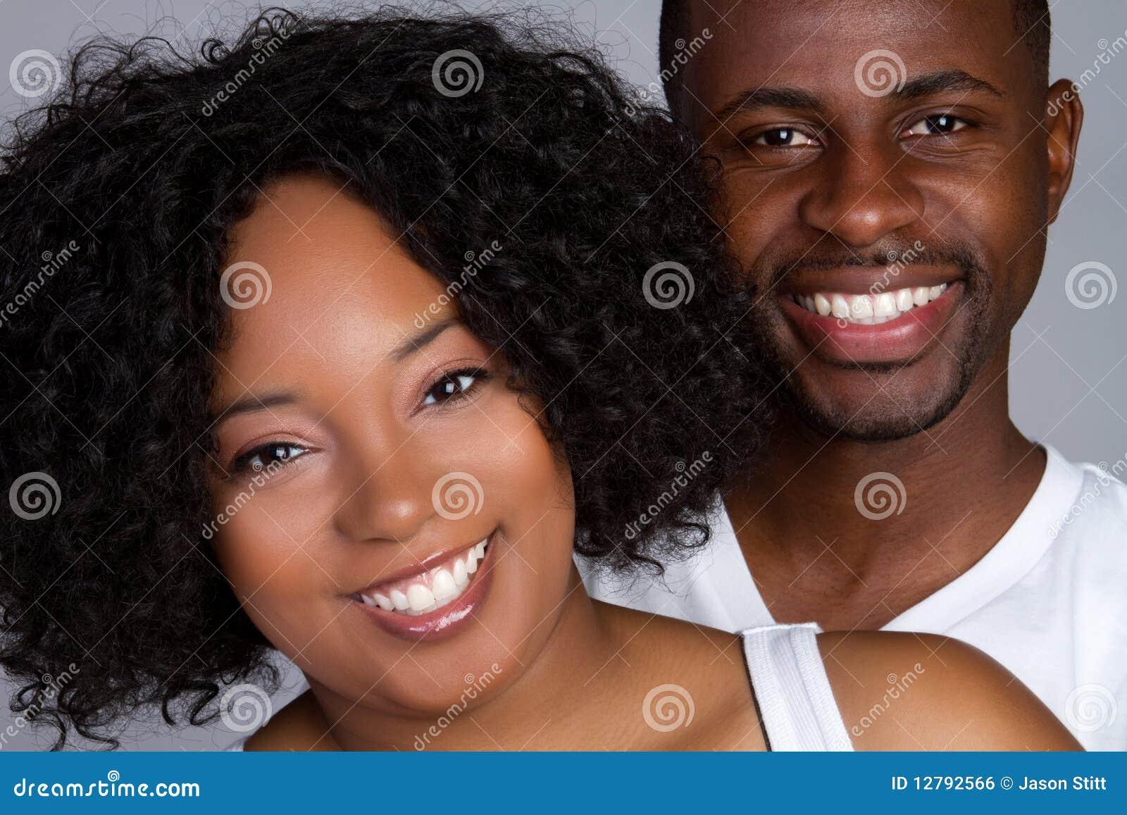 Sonrisa negra de los pares