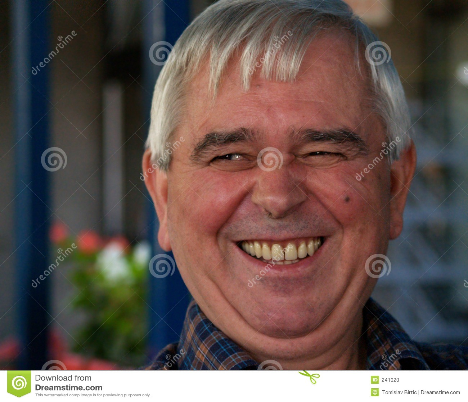 Sonrisa principal gris 2