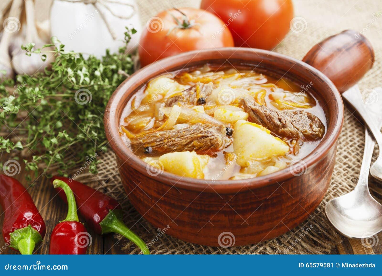 Sopa com couve e carne