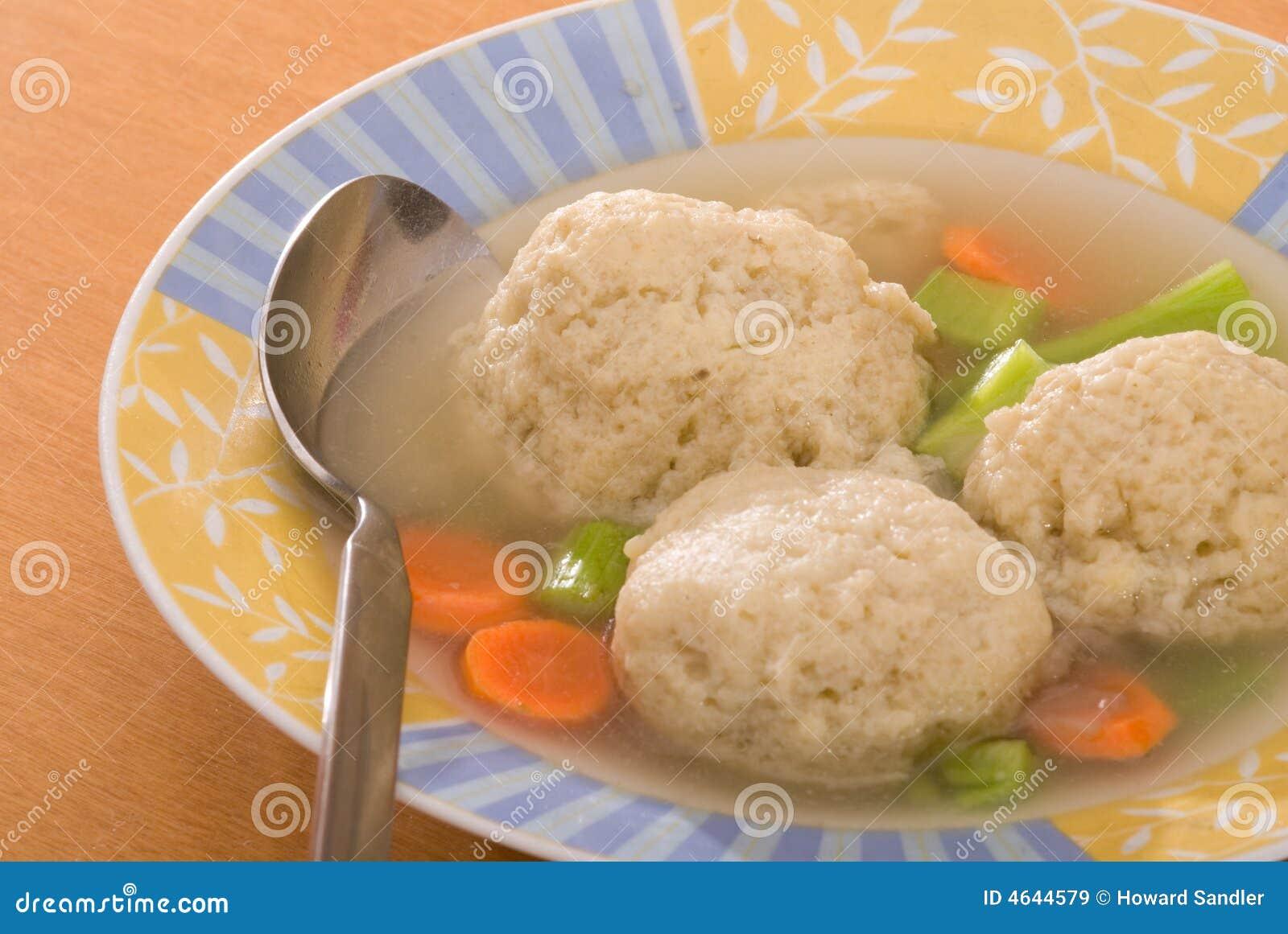 Sopa da esfera do Matzah